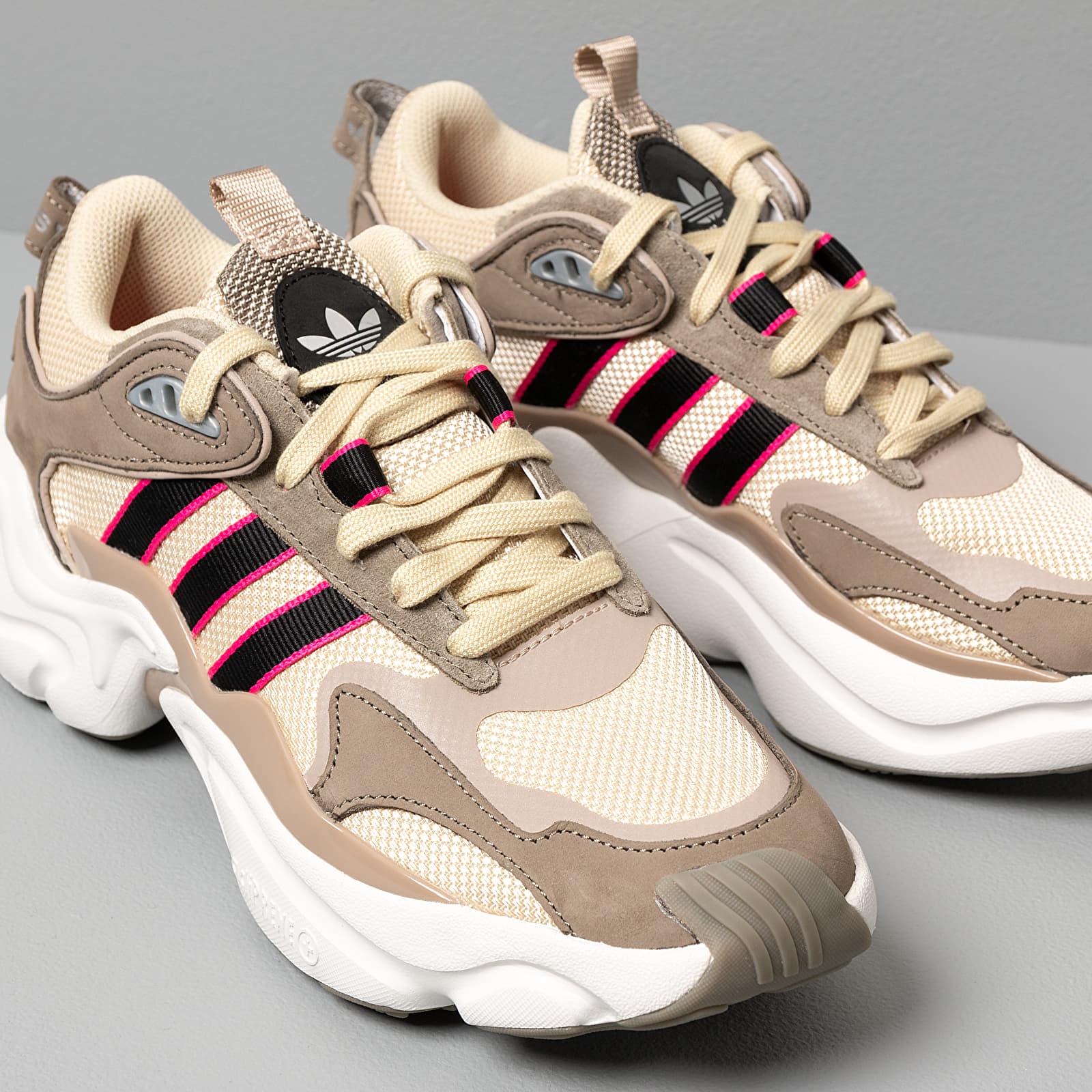 Adidas RUNNER W Runner Low Top Turnschuhe beige