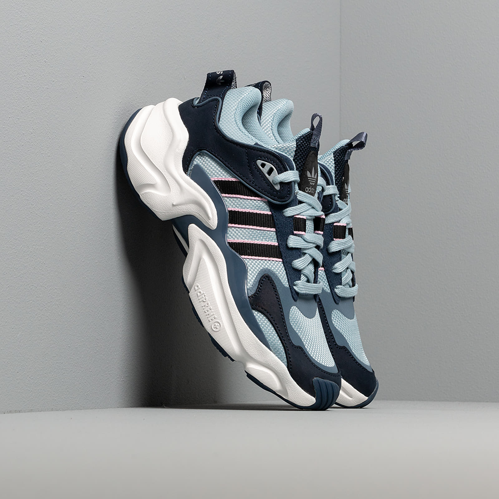 Zapatillas mujer adidas Magmur Runner W Ash Grey/ Core Black/ Tech Ink