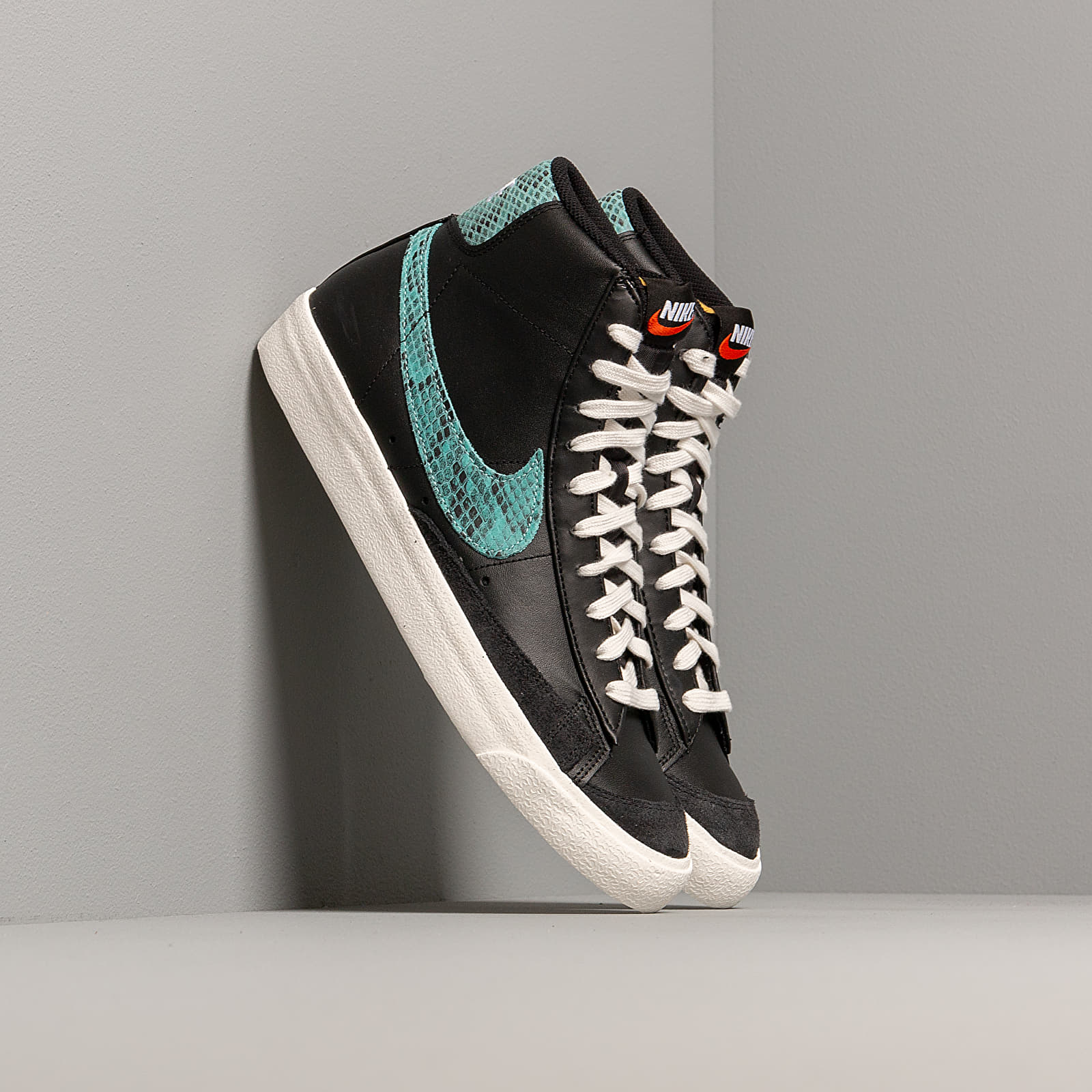 Men's shoes Nike Blazer Mid '77 Vintage We Reptile Black/ Light Aqua-Sail