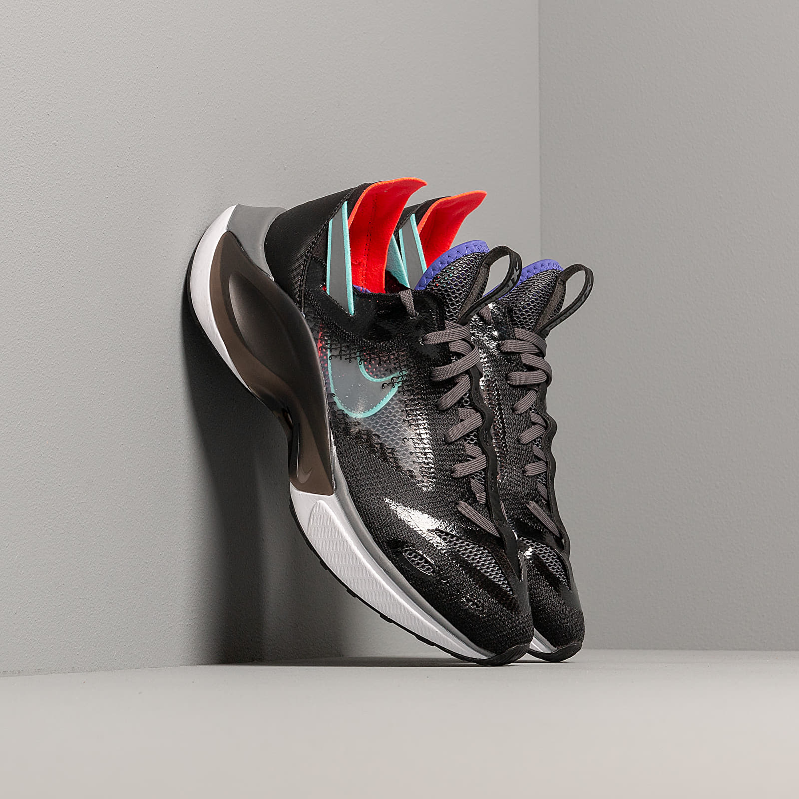 Männer Nike N110 D/MS/X Black/ Dark Grey-Red Orbit-Rush Violet