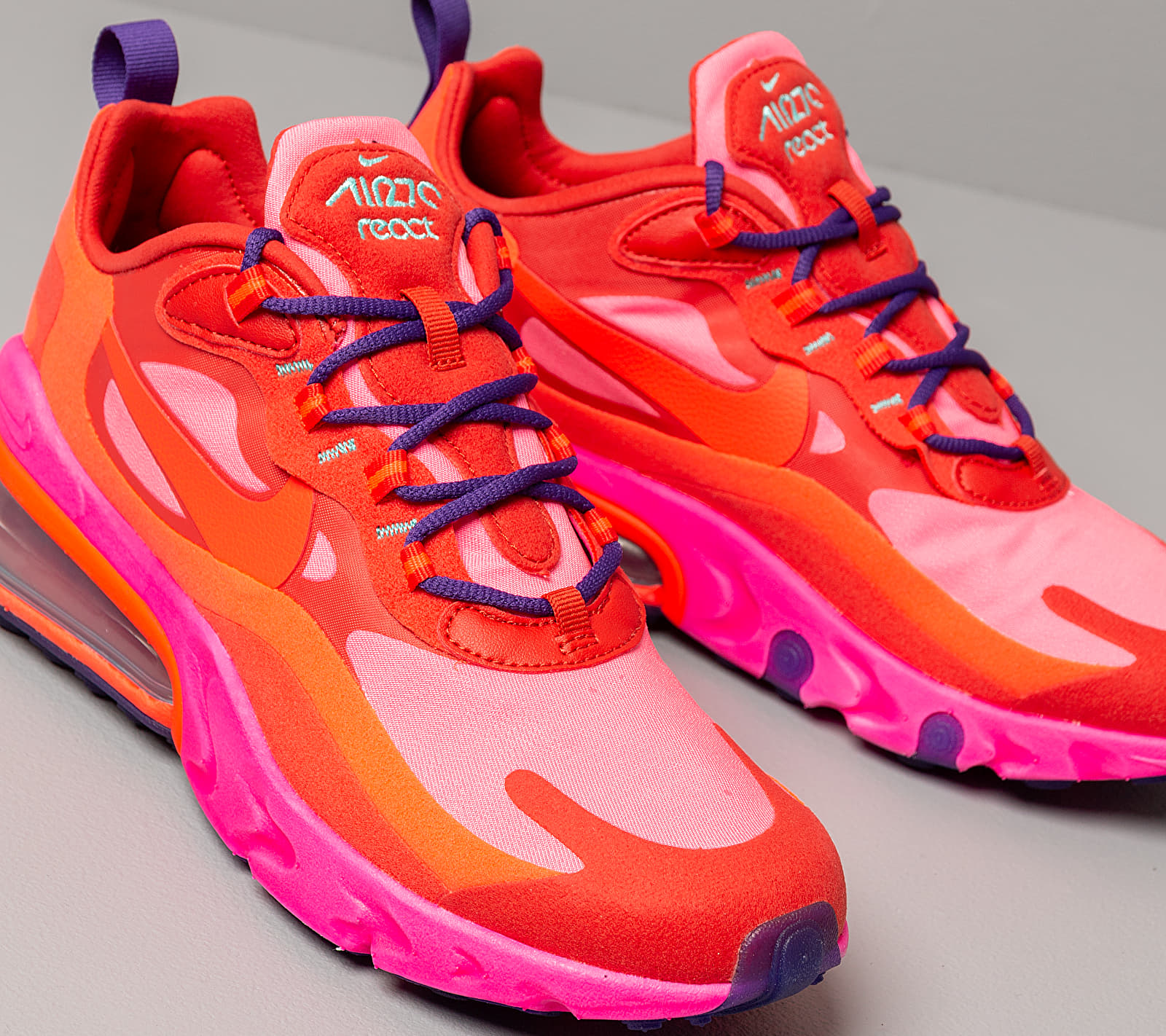Nike W Air Max 270 React Mystic Red Bright Crimson Pink Blast Buy At The Price Of 147 00 In Footshop Eu Imall Com