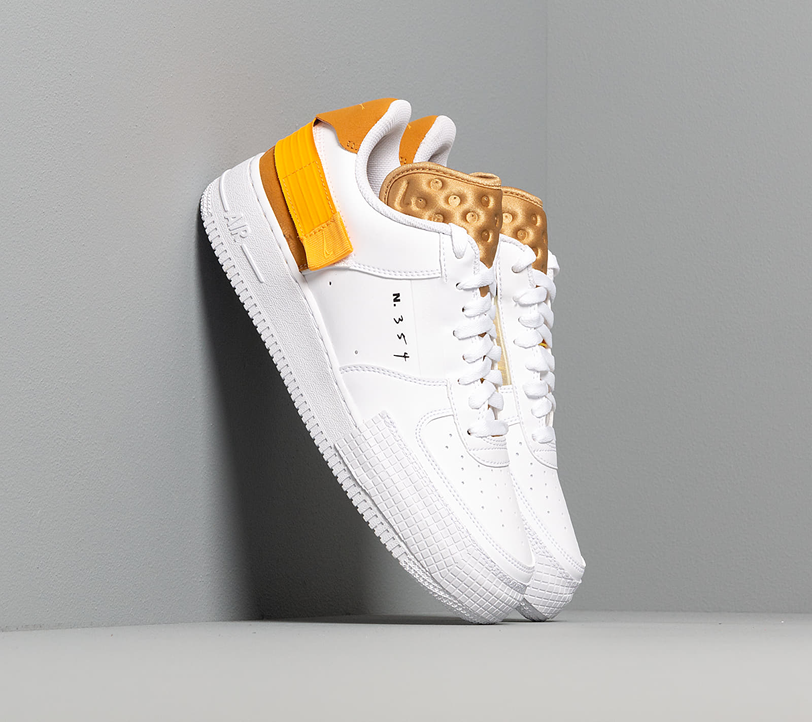 Nike Air Force 1-Type White/ University Gold-Gold Suede EUR 35.5