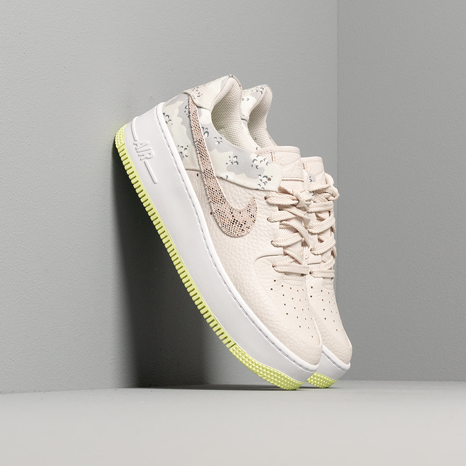 Women's shoes Nike W Air Force 1 Sage Lo Premium Light Orewood Brown/ Moon Particle-White