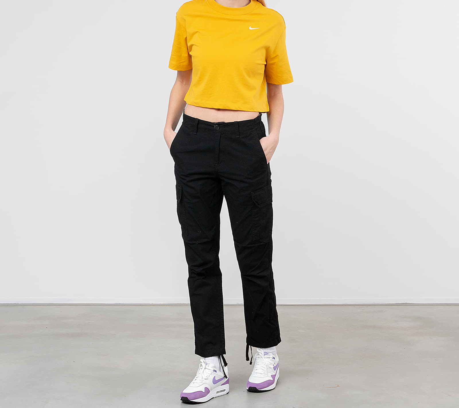 Nike Sportswear Essential Top Dark Sulfur/ White, Yellow
