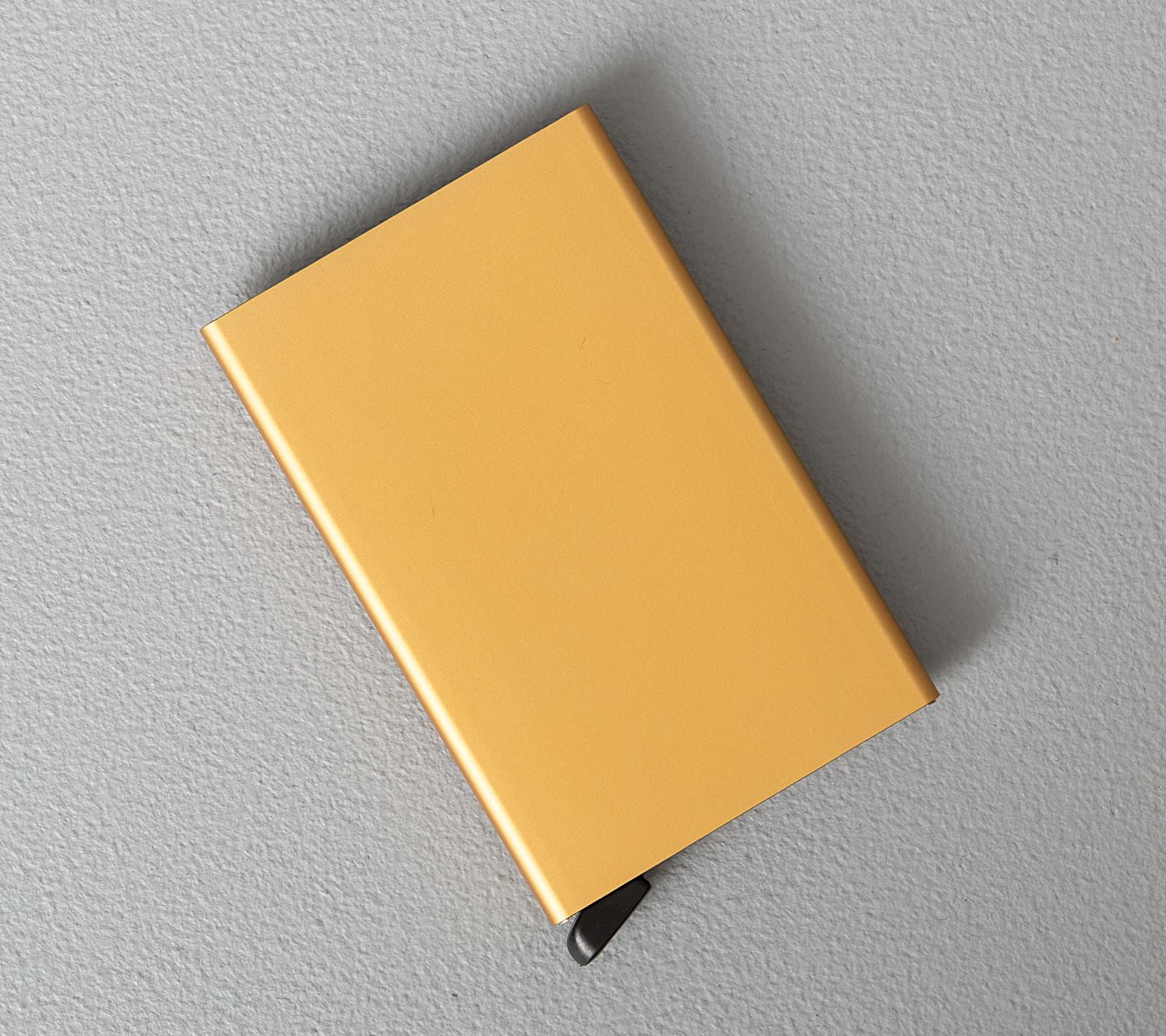 Secrid Cardprotector Gold Univerzální velikost
