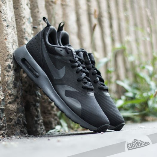 Nike Air Max Tavas (Black Cool Grey Anthracite)