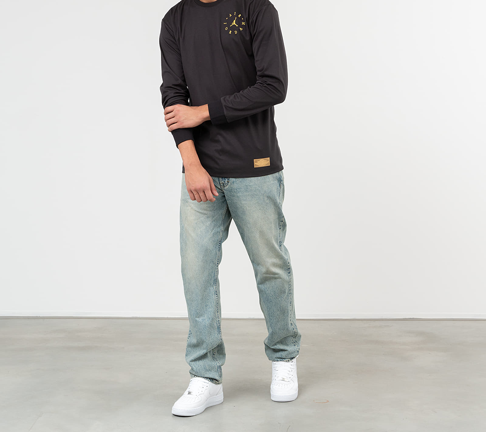 Jordan Remastered Sueded Longsleeve Tee Black/ Black/ Metallic Gold