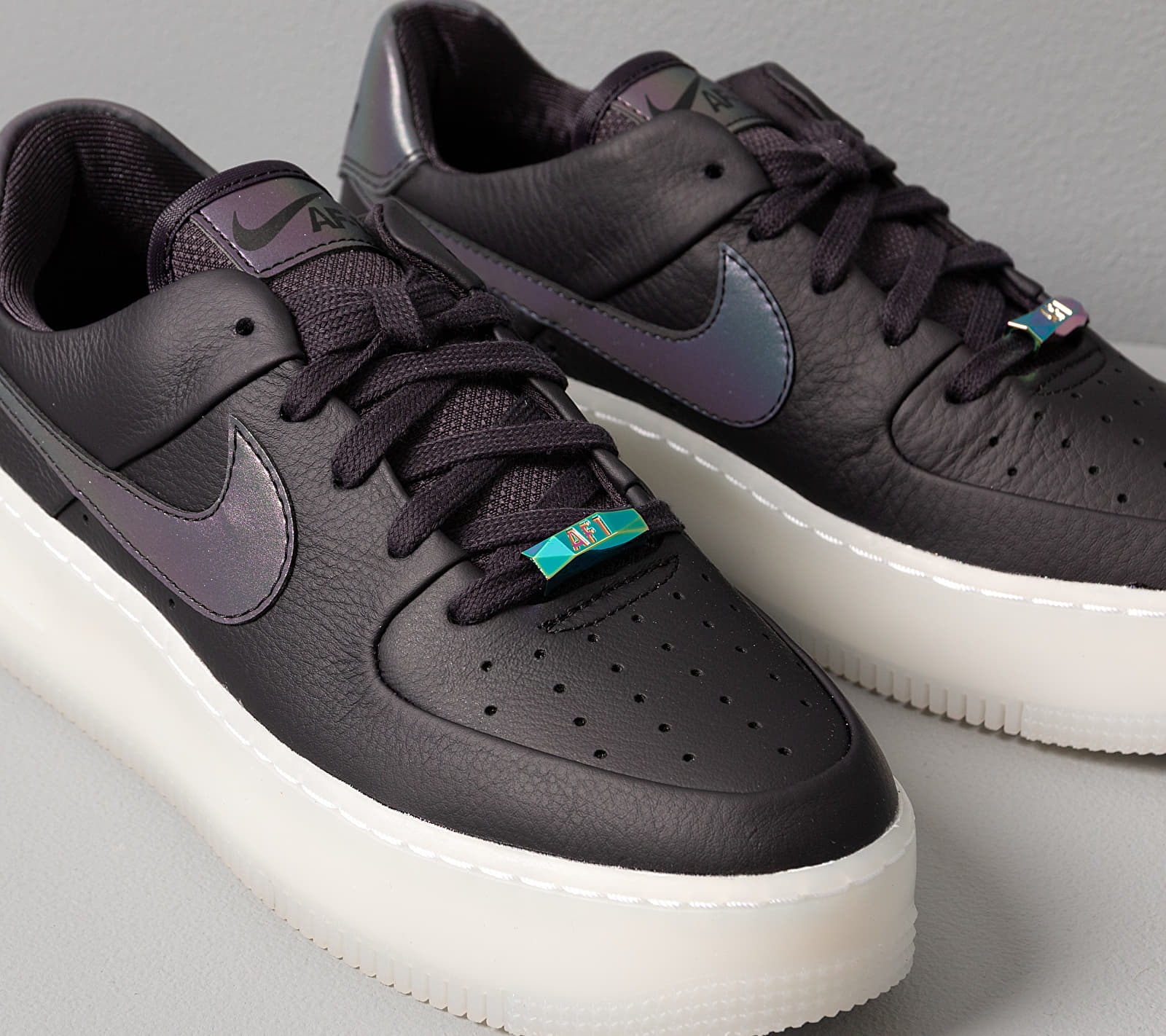 Nike W Air Force 1 Sage Low LX Oil Grey/ Blank-White, Gray