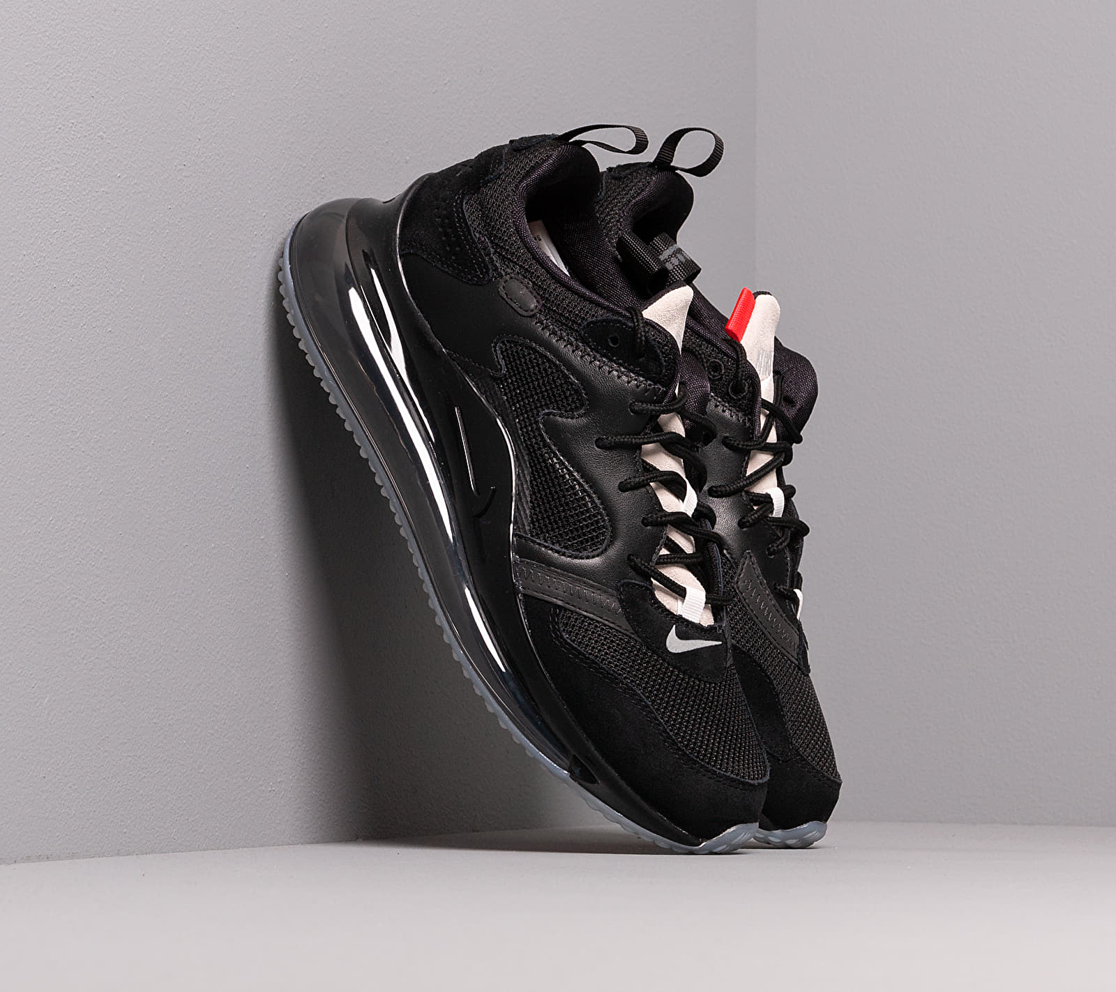 Nike Air Max 720 / Obj Black/ Summit White-Red Orbit