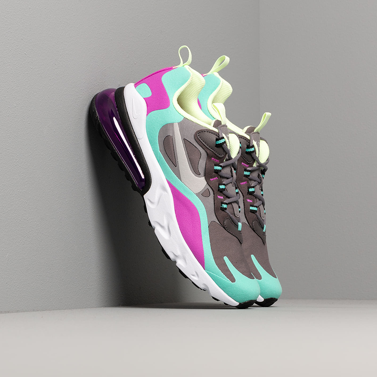 Kid´s shoes Nike Air Max 270 React (GS) Gunsmoke/ Reflect Silver-Aurora Green