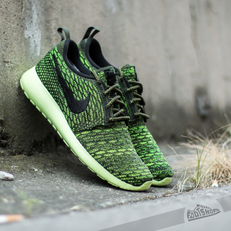 quality design 98c80 6e702 Nike Wmns Roshe One Flyknit Rough Green  Black