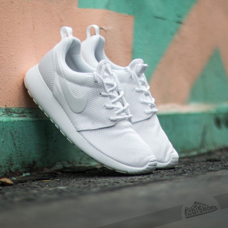 low priced d598d e337e Nike Wmns Roshe One White/ White | Footshop