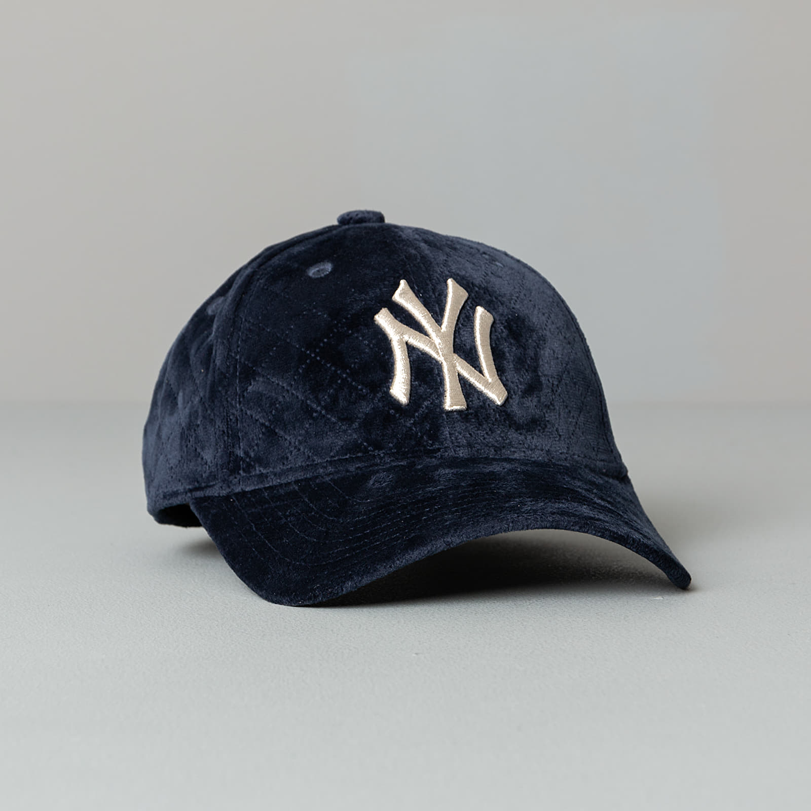 New Era 9Forty MLB Quilted New York Yankees Cap WMNS