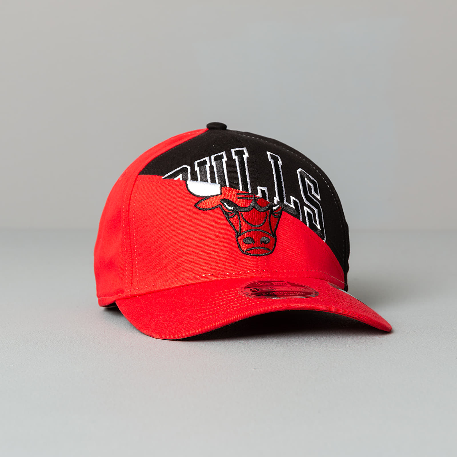 New Era 9Fifty NBA Team Split Stretch Cap Chicaco Bulls