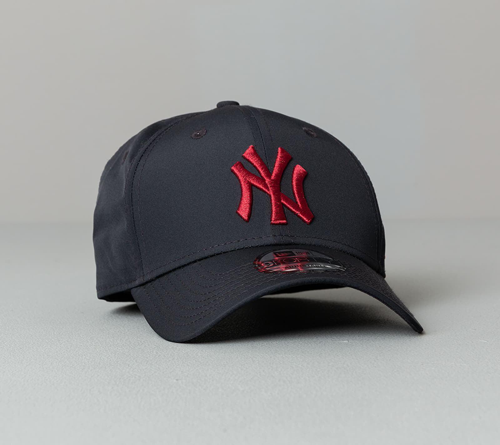 New Era 9Forty MLB Mini Reverse Team New York Yankees Cap Dark Navy Univerzální velikost