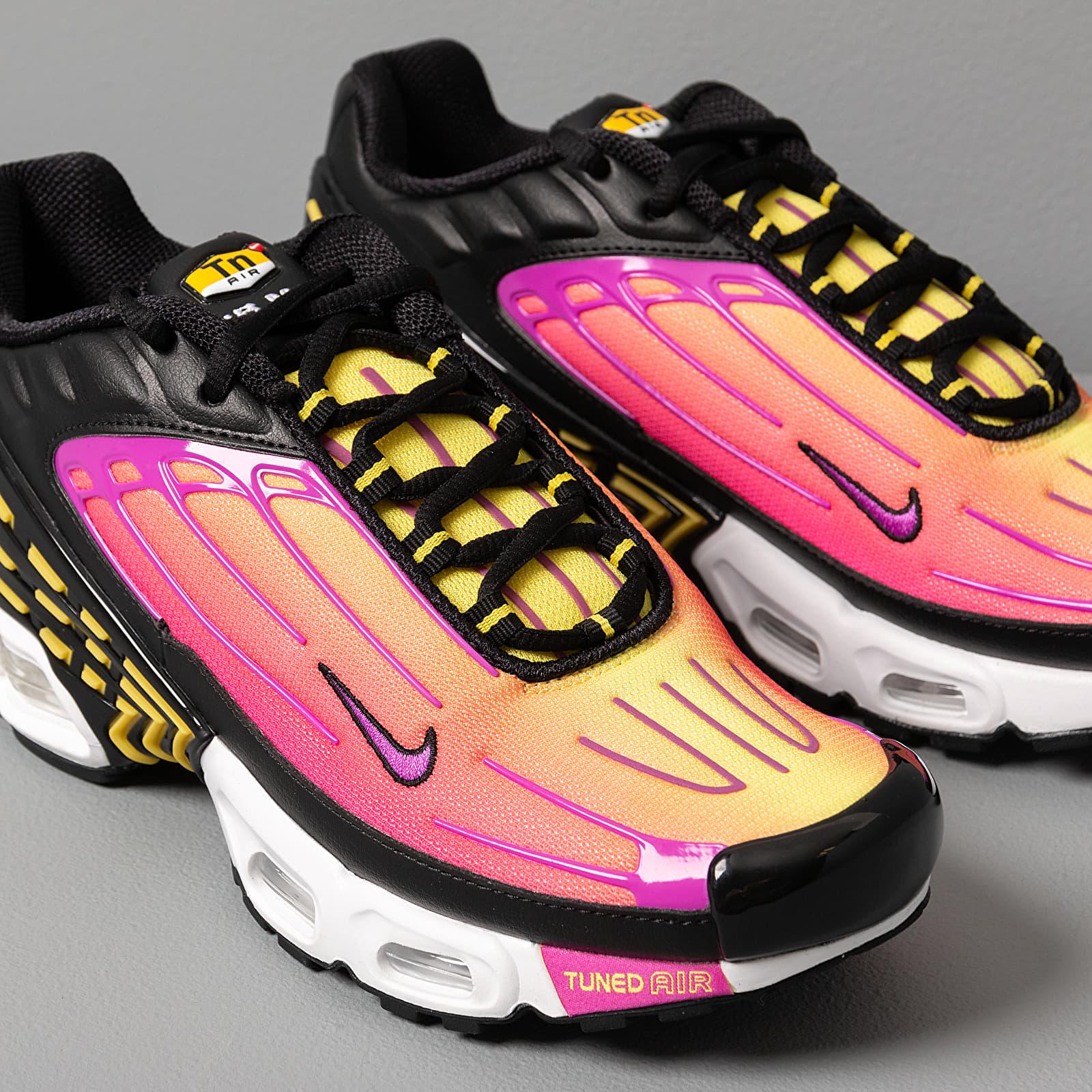 Chaussures et baskets homme Nike Air Max Plus III Black/ Hyper ...