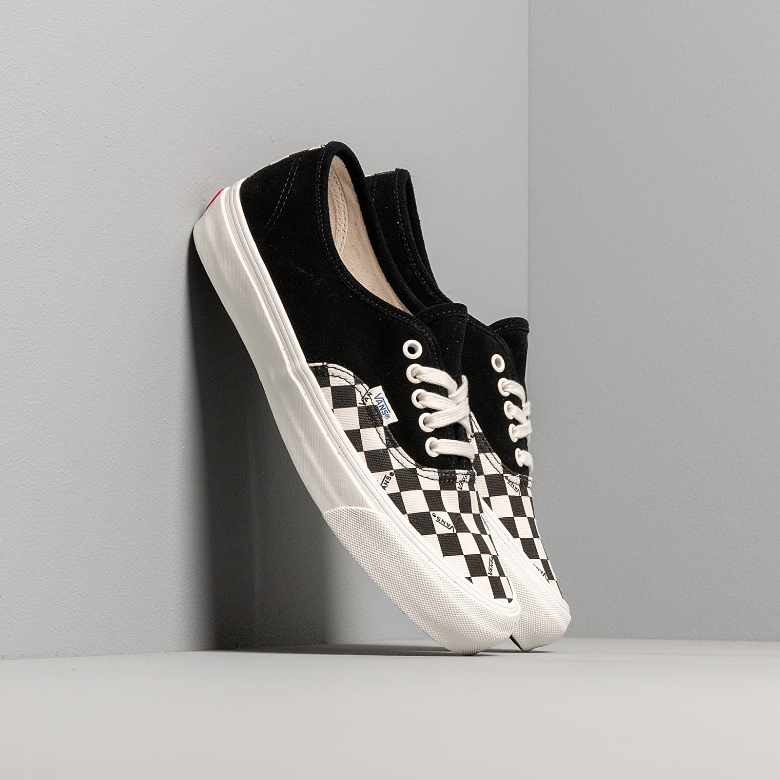 Férfi cipők Vans OG Authentic LX (Suede/ Canvas) Black/ Checkerboard
