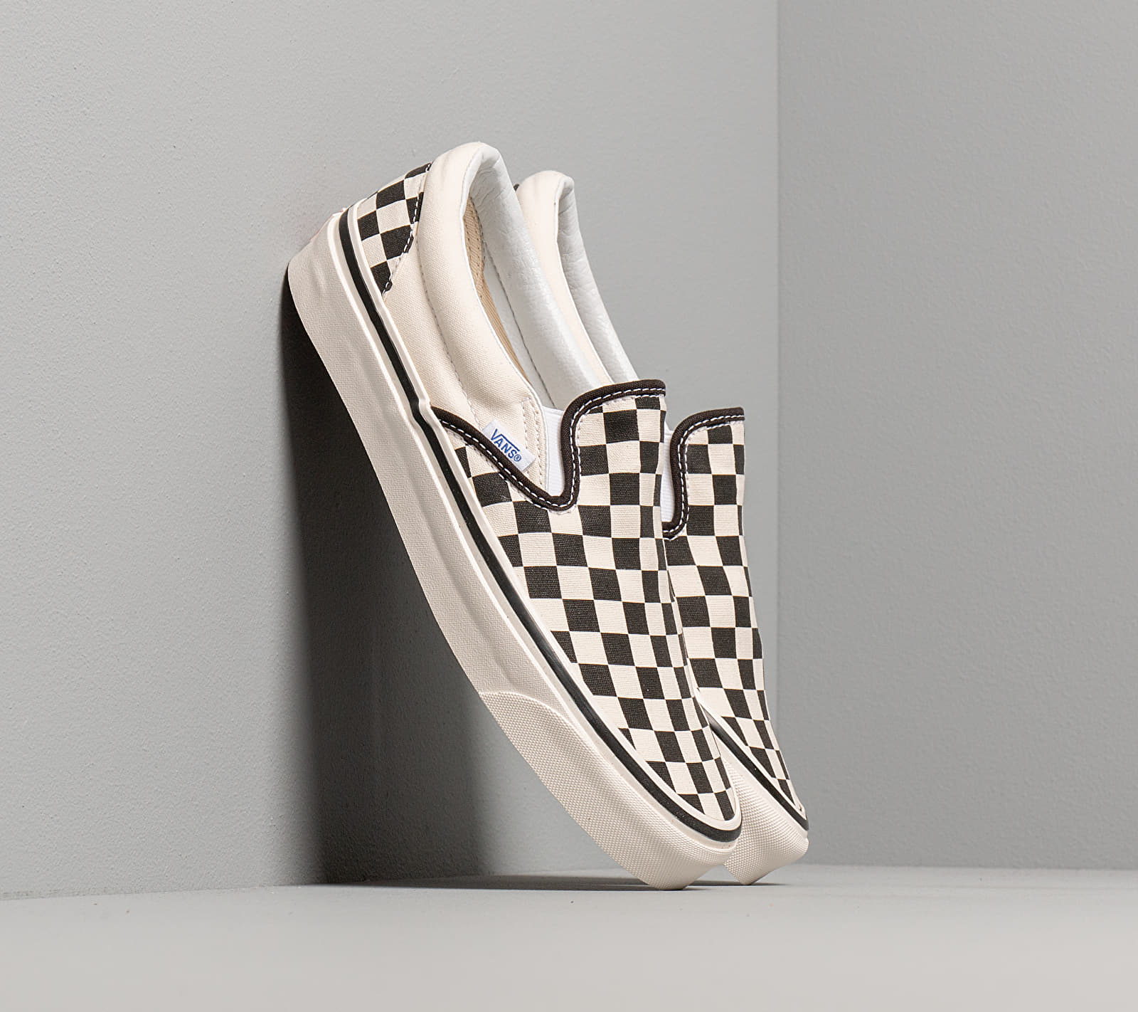 Vans OG Classic Slip-On LX (Canvas) Black/ White Checkerboard EUR 42