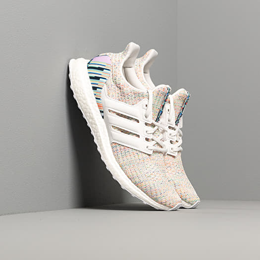 adidas UltraBOOST wCrystal White/ Crystal White/ Glow Green