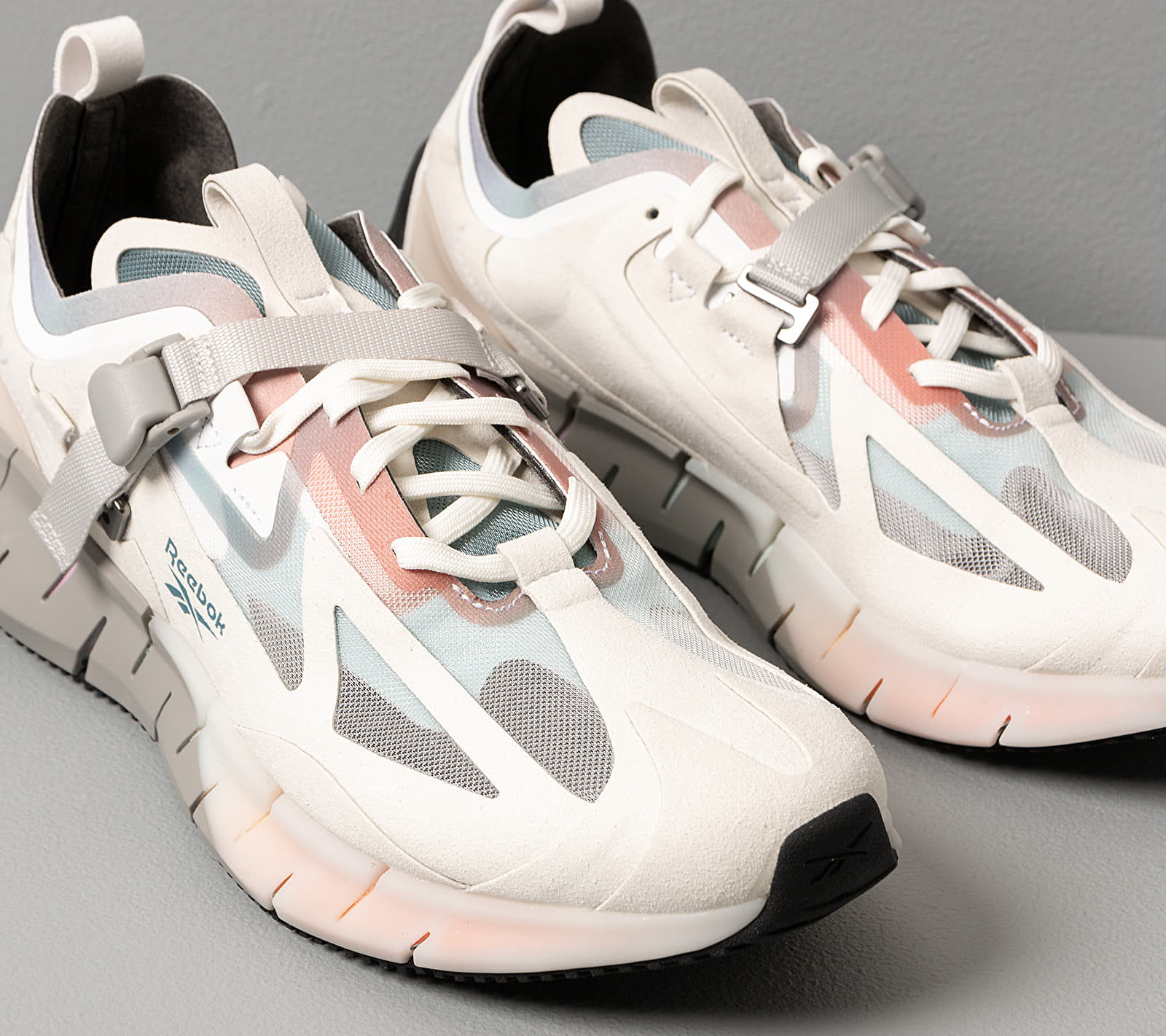 Reebok Zig Kinetica Concept_Type1 Sand Stone/ White/ Rose Dust, Brown