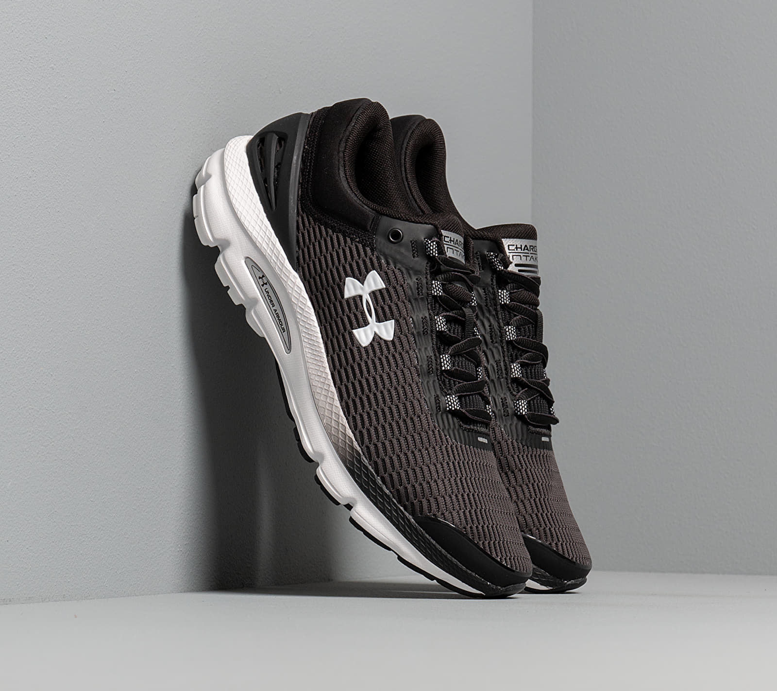 Under Armour Charged Intake 3 Black/ White/ White EUR 42.5