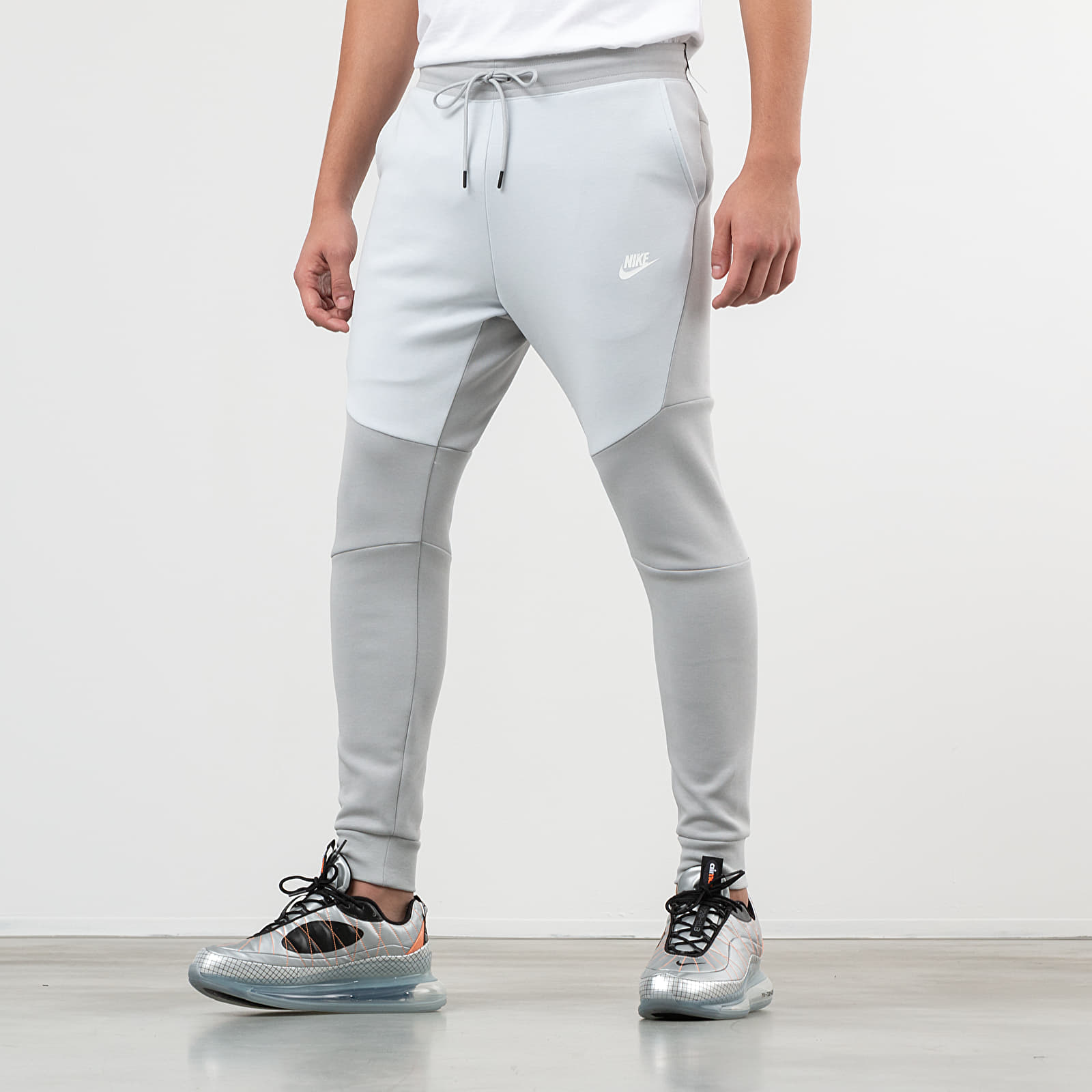 Nike Sportswear Tech Fleece Jogger Pants Light Smoke Grey Pure Platinum White | Footshop