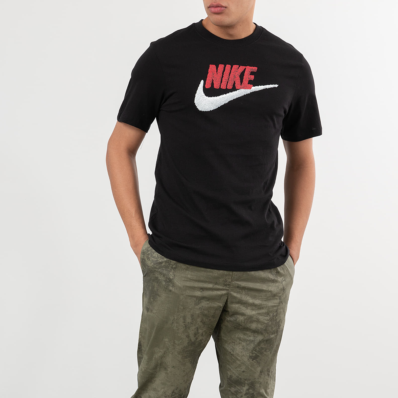 T-shirts Nike Sportswear Tee Black/ University Red/ White