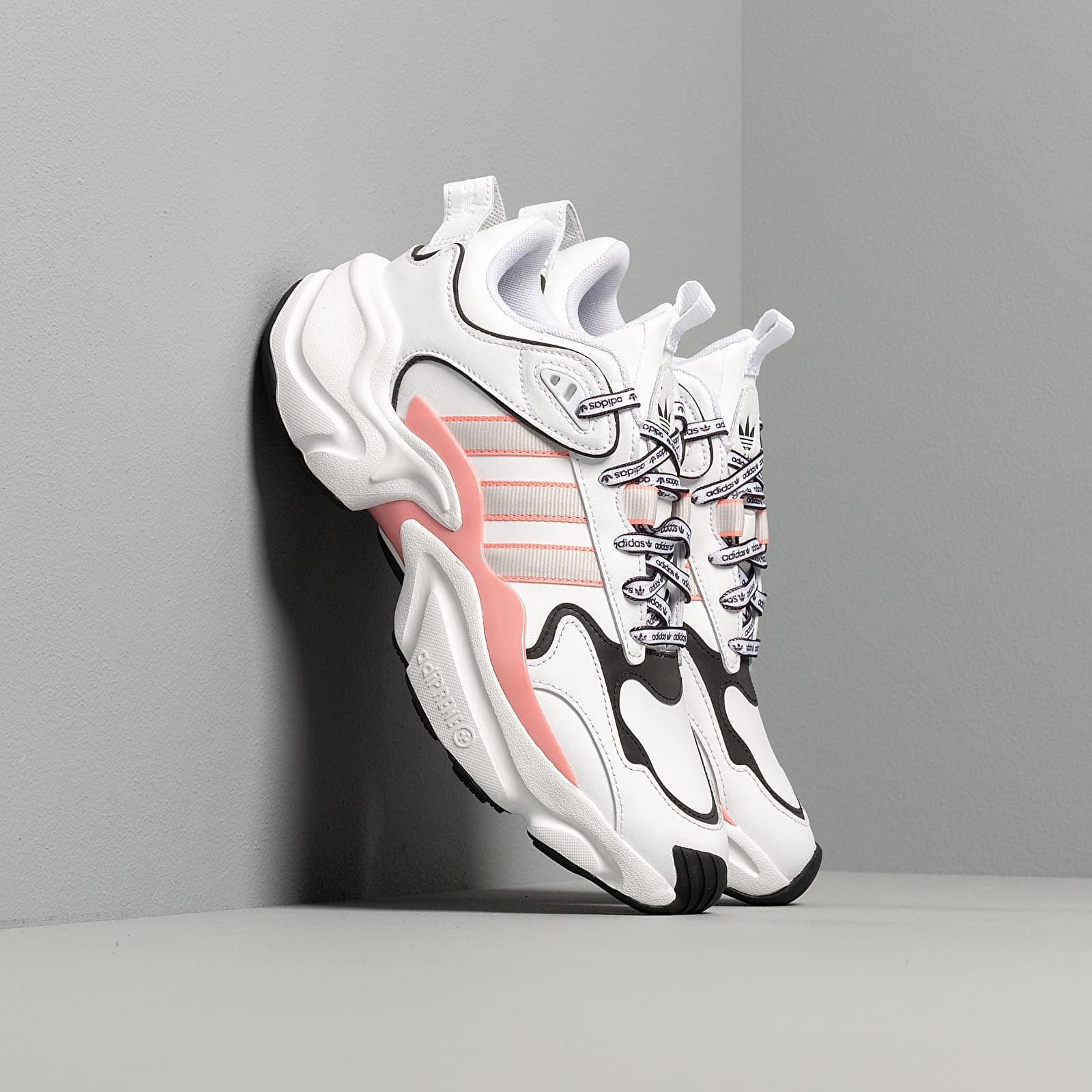 Scarpe e sneaker da donna adidas Magmur Runner W Ftw White/ Grey One/ Glow Pink