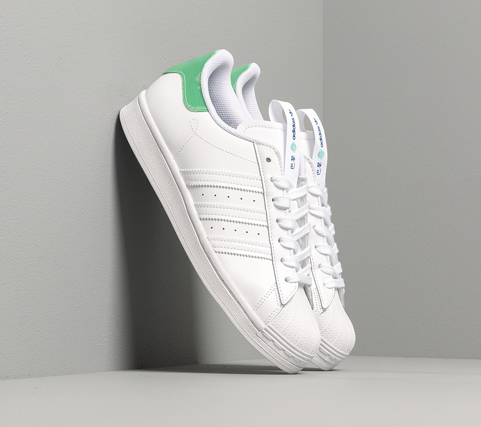 adidas Superstar Ftwr White/ Prism Mint/ Collegiate Royal EUR 40