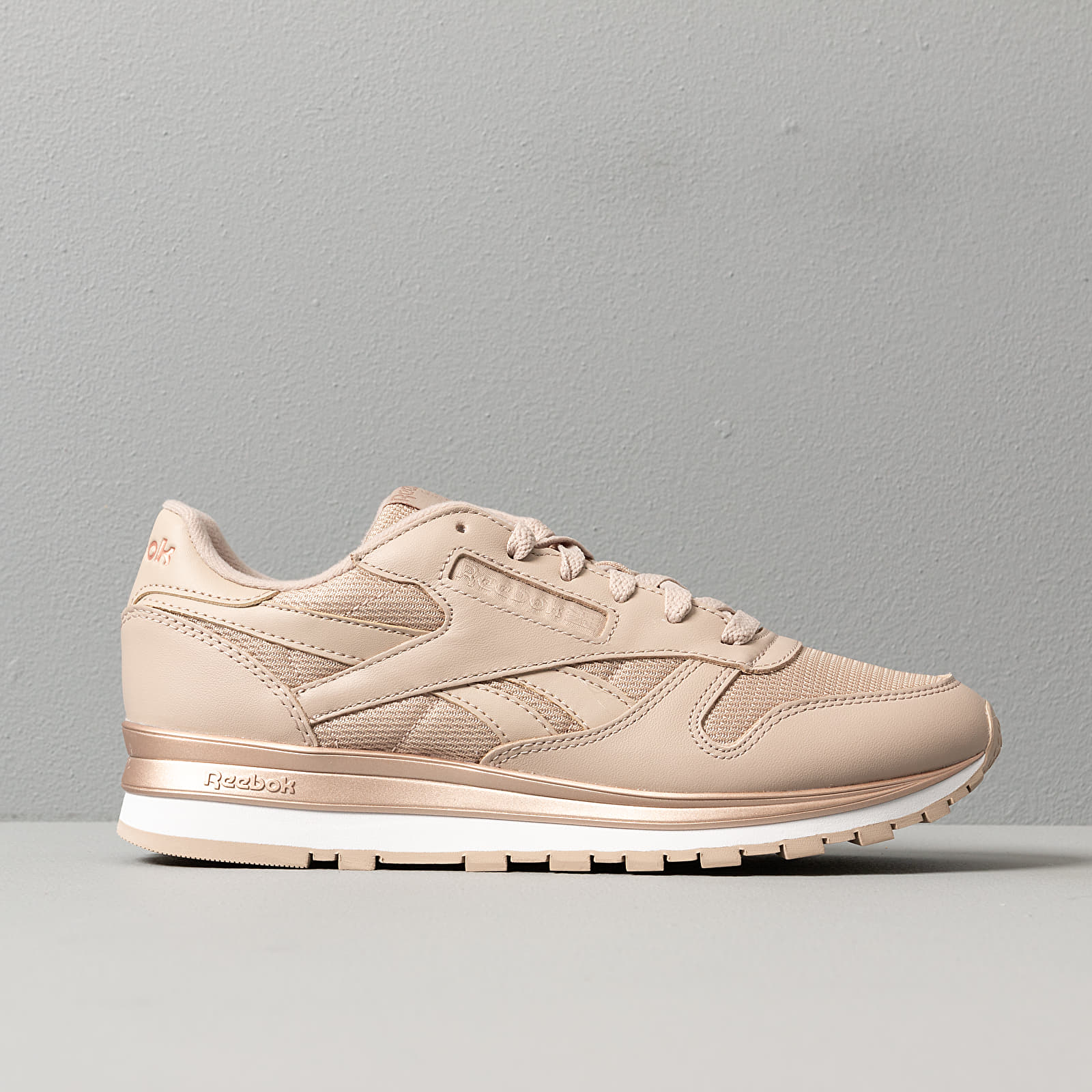 Construir sobre Miguel Ángel Actriz  Women's shoes Reebok Classic Leather Modern Beige/ Rose Gold/ White