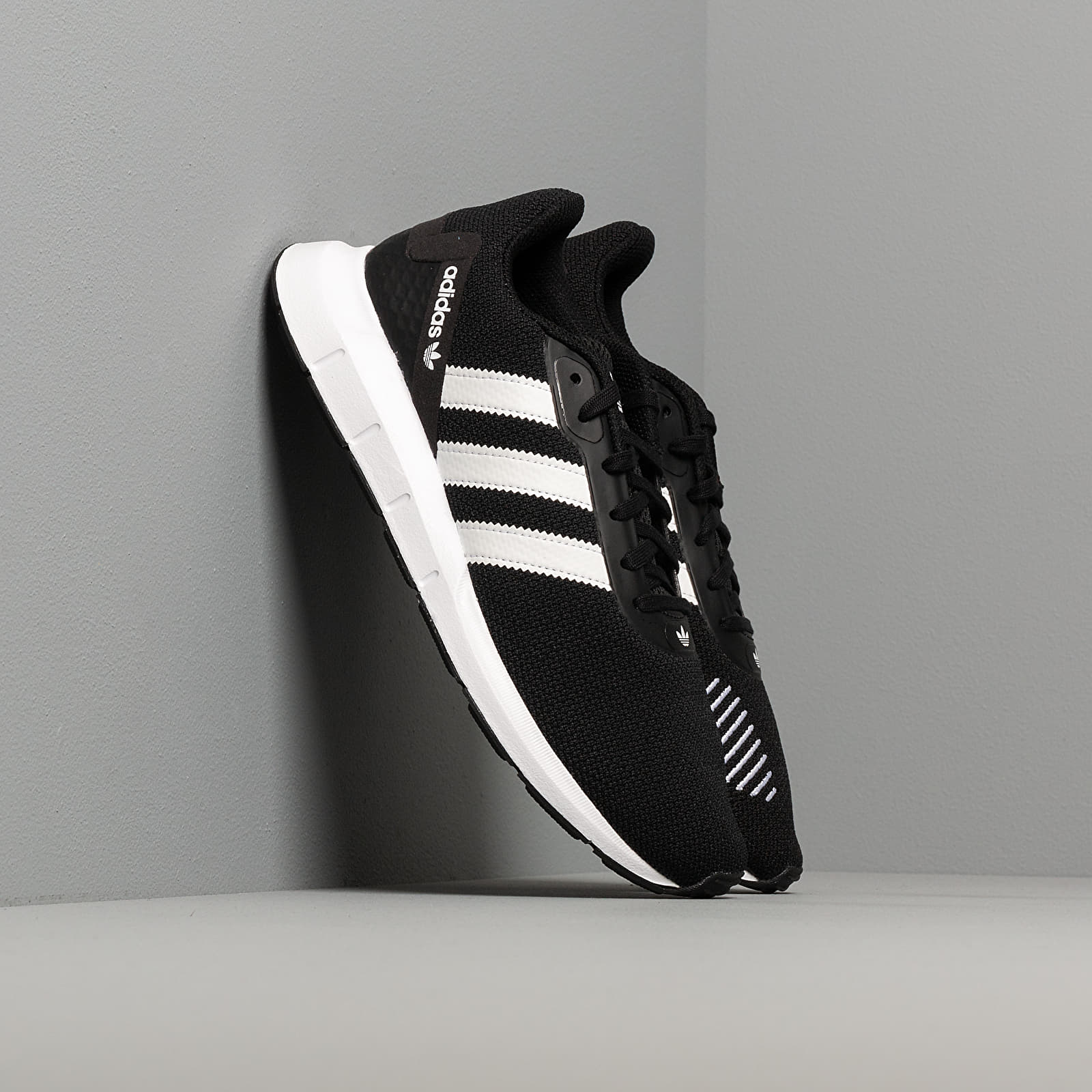 Men's shoes adidas Swift Run Rf Core Black/ Ftw White/ Core Black