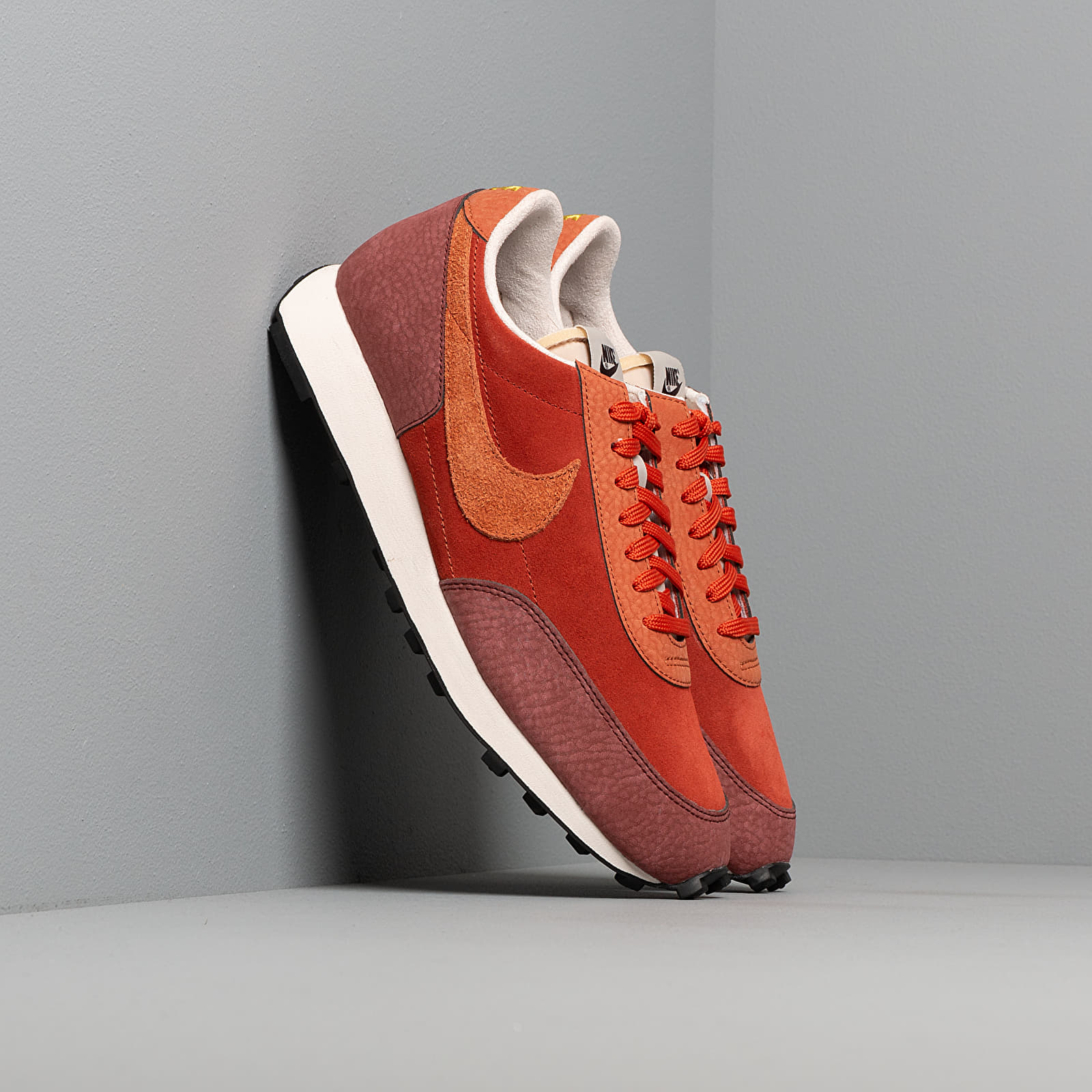 Férfi cipők Nike Daybreak Rugged Orange/ Desert Orange-Pueblo Brown