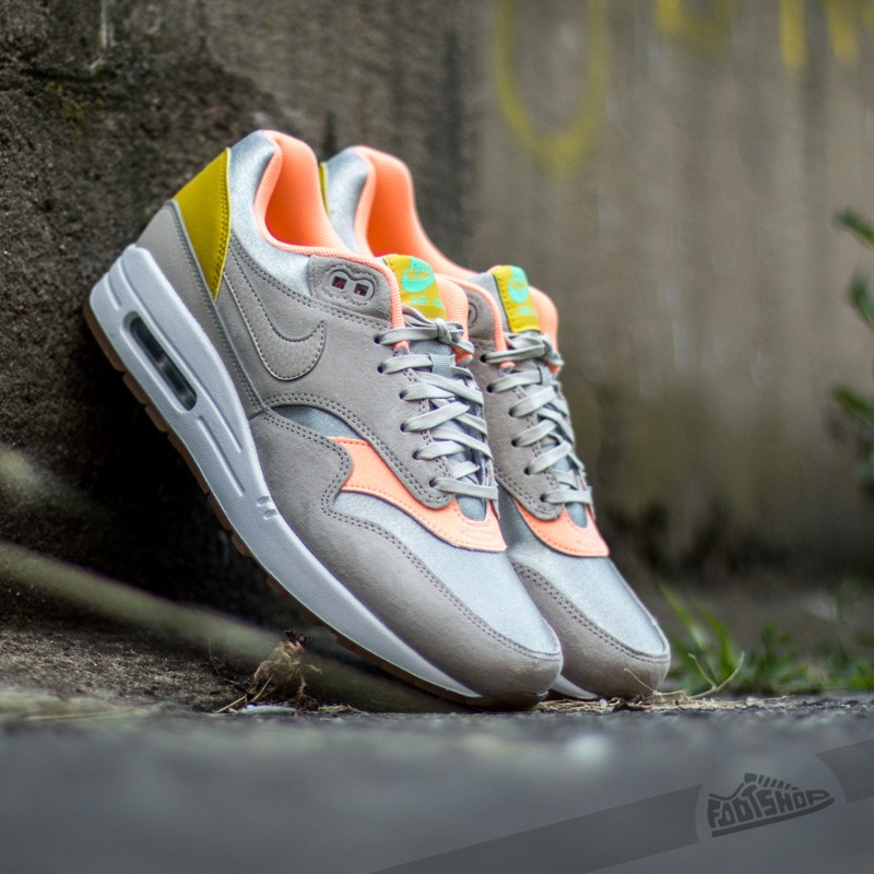 Nike Wmns Air Max 1 Premium Metallic Silver  Strong-Sunset Glow Green e7a986a863