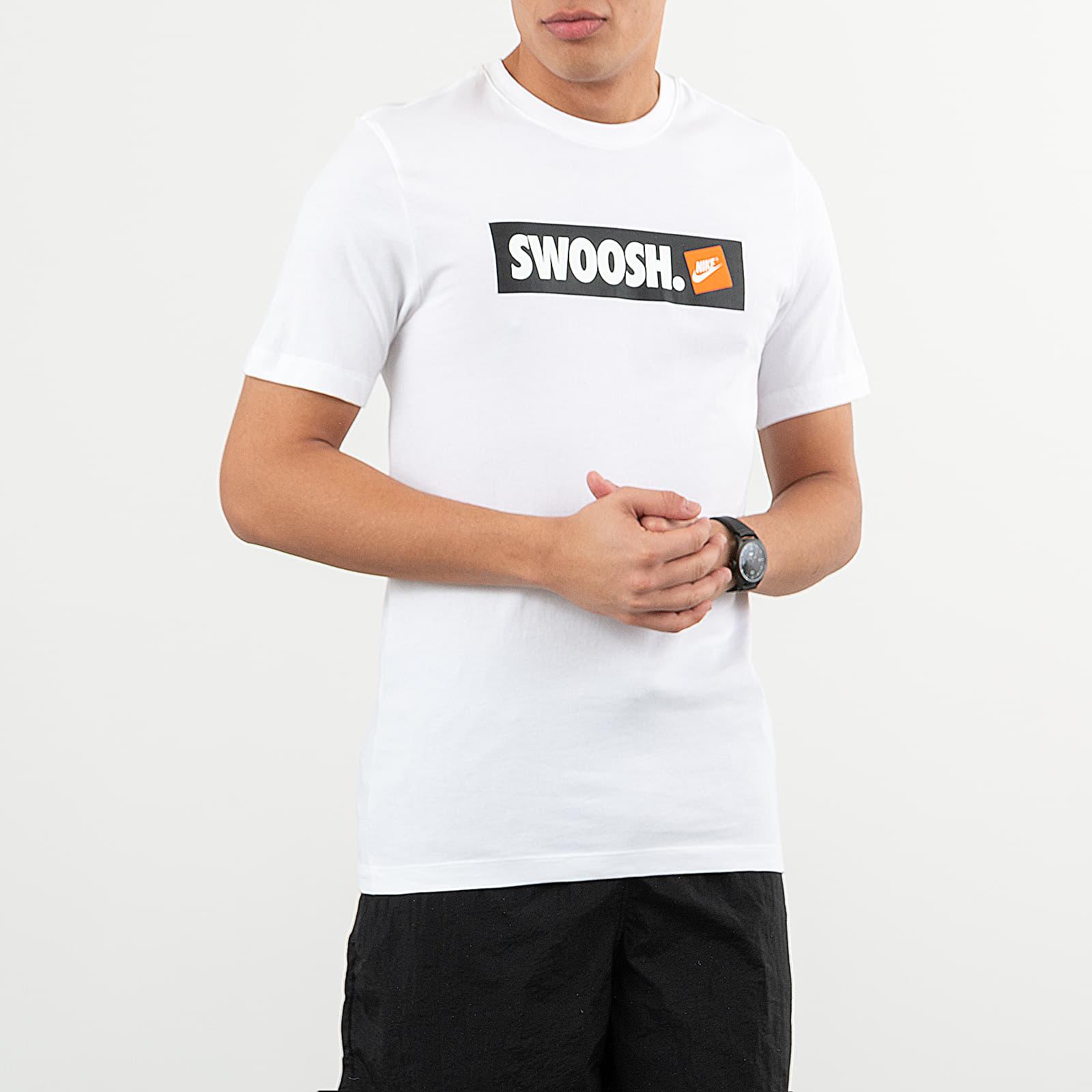 Camisetas Nike Sportswear Swoosh Bumper Sticker Tee White/ White