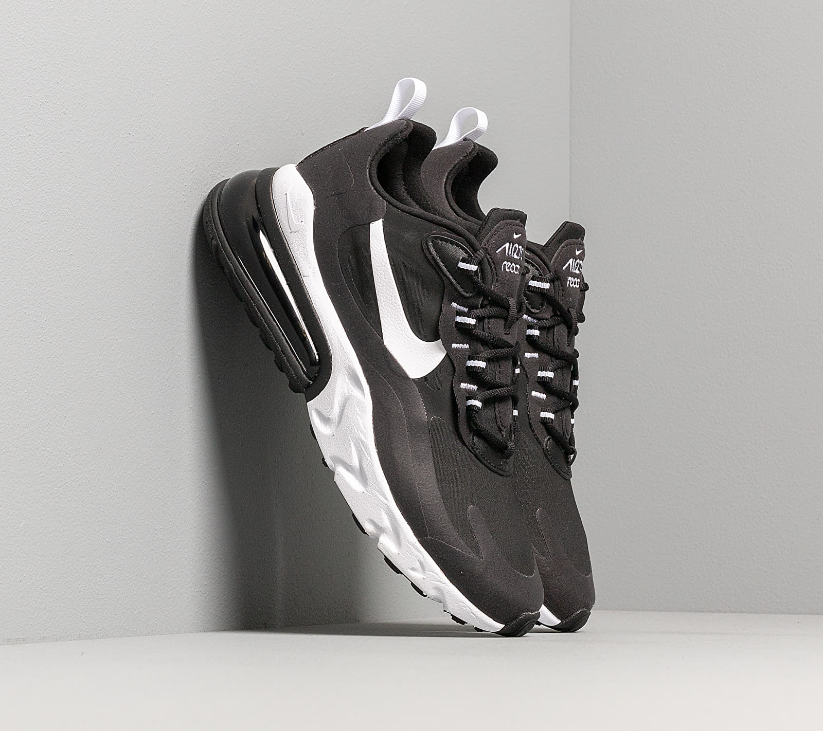 Nike Air Max 270 React Black/ White-Black EUR 42.5