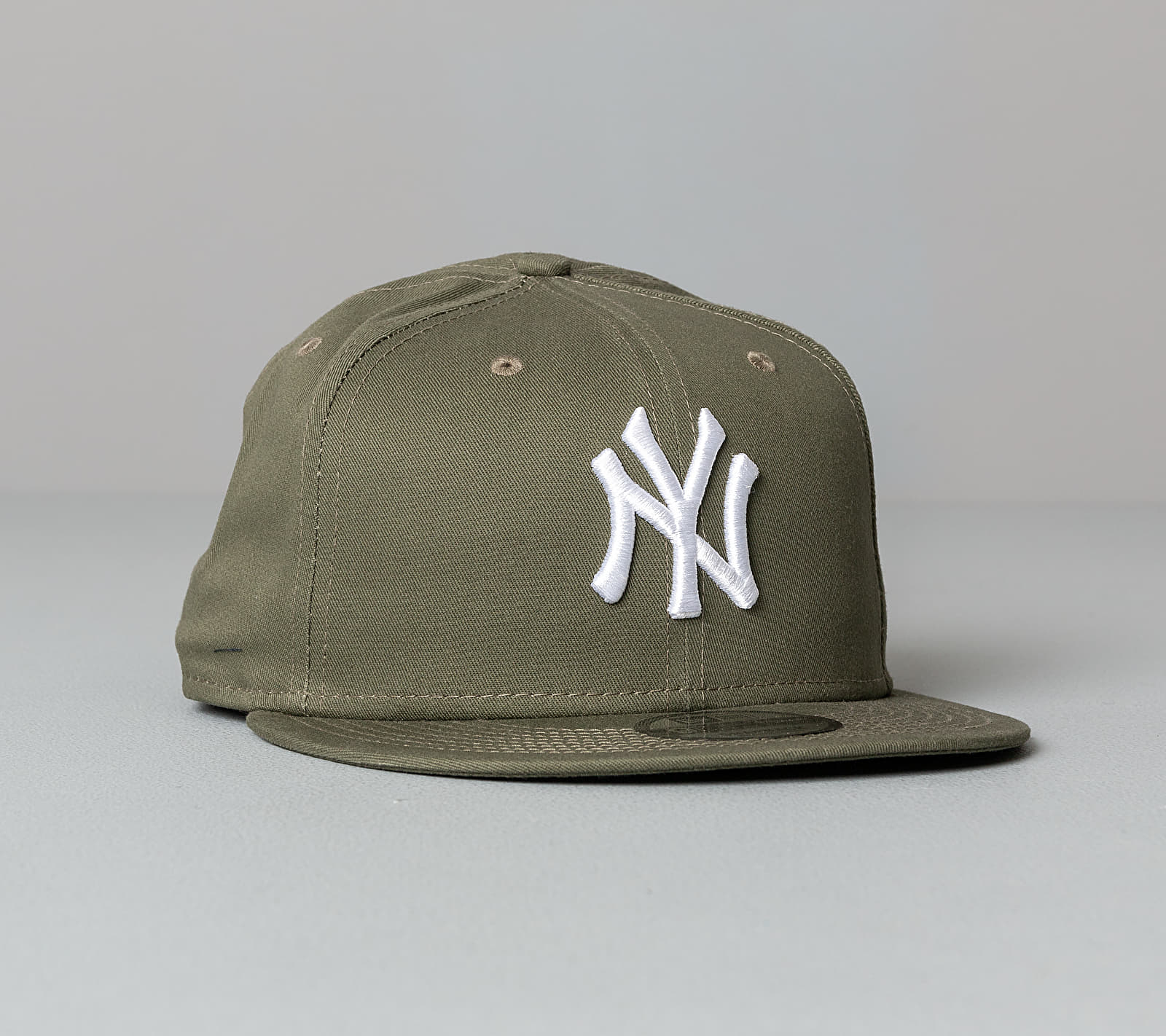 New Era 9Fifty MLB Essential New York Yankees Cap Olive Green S-M