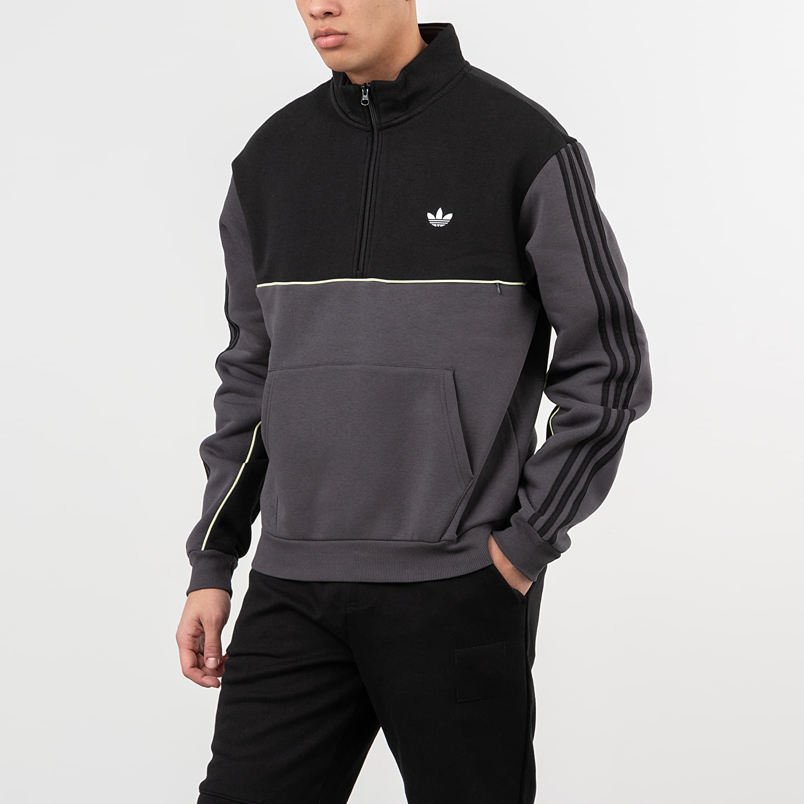 Sweatshirts adidas Mod Sweatshirt Black/ DGH Solid Grey/ Yellow Tint