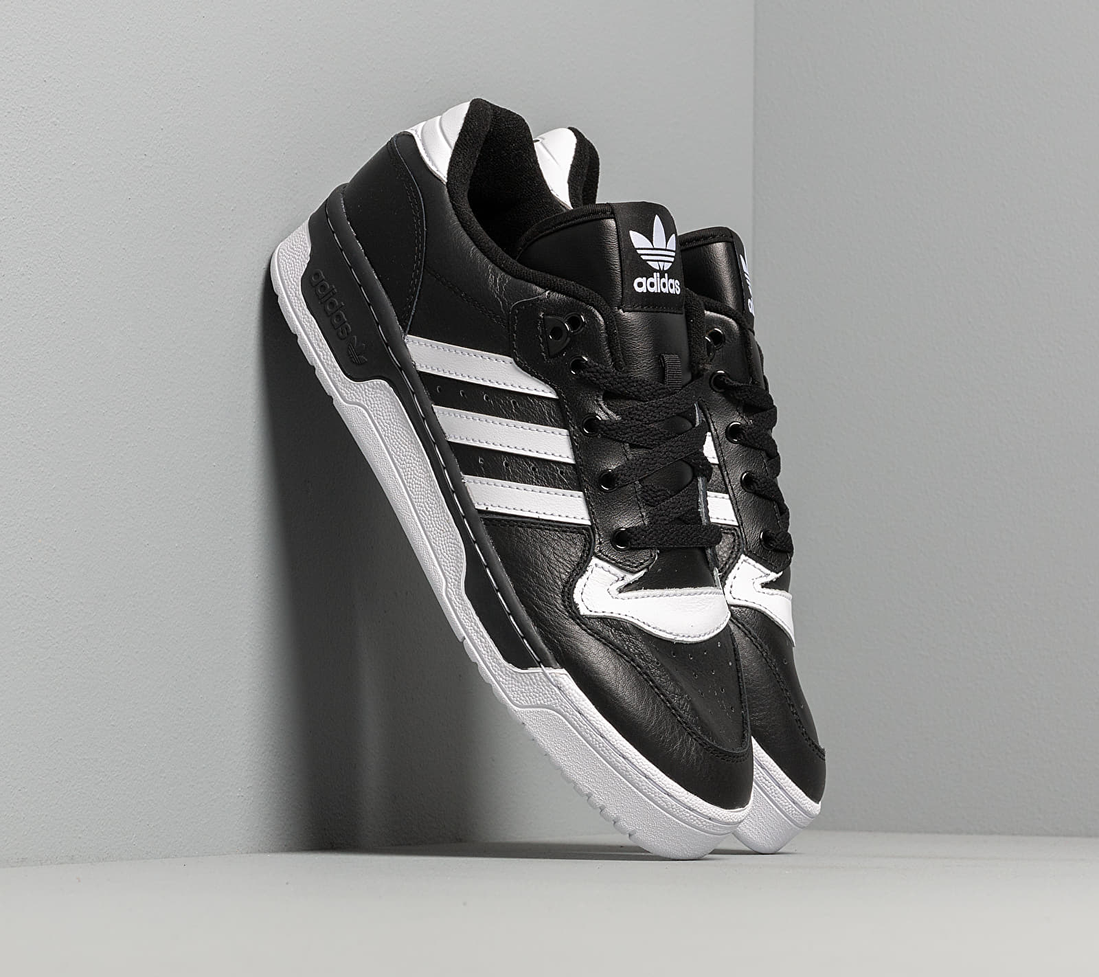 adidas Rivalry Low Core Black/ Ftw White/ Ftw White EUR 44