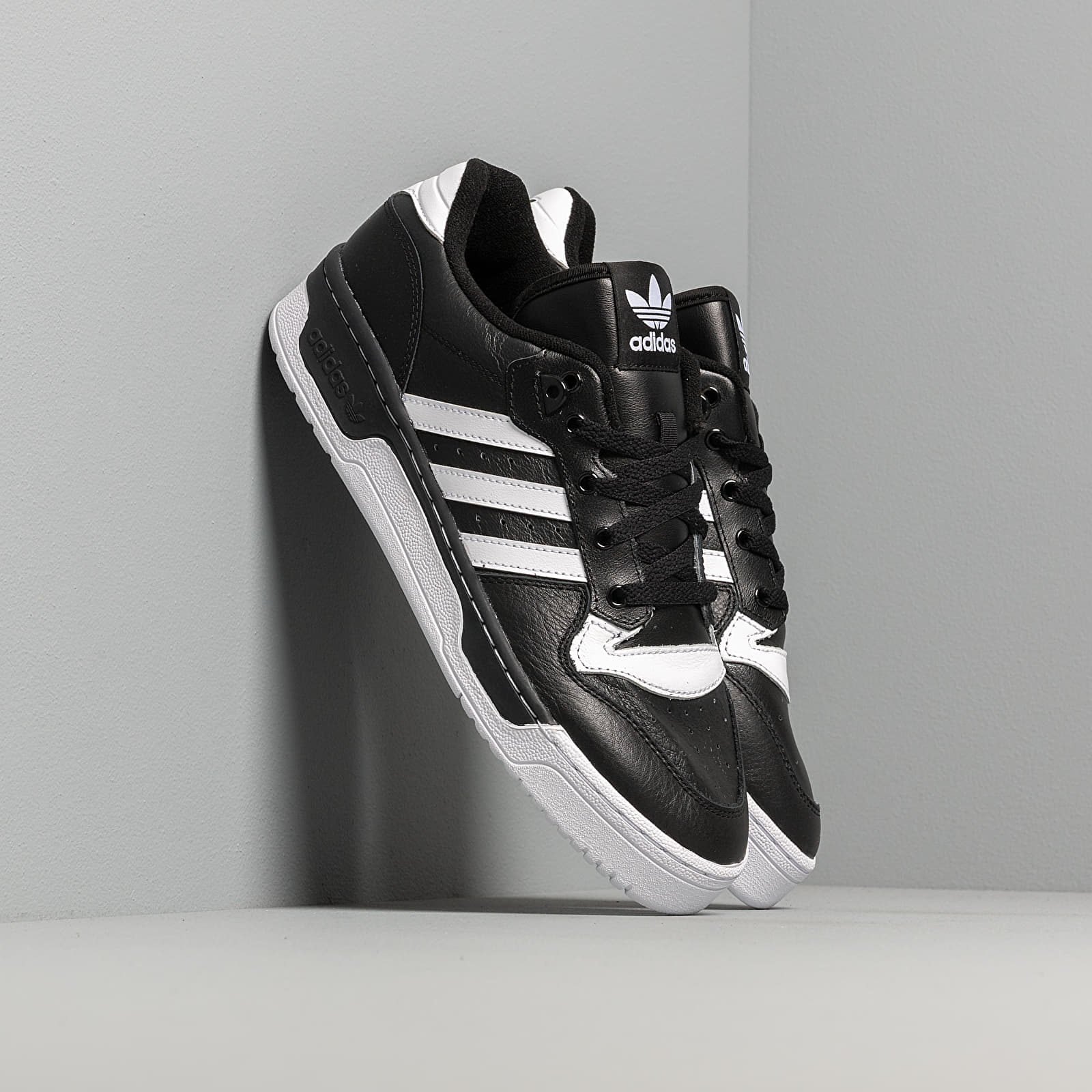 Zapatillas Hombre adidas Rivalry Low Core Black/ Ftw White/ Ftw White