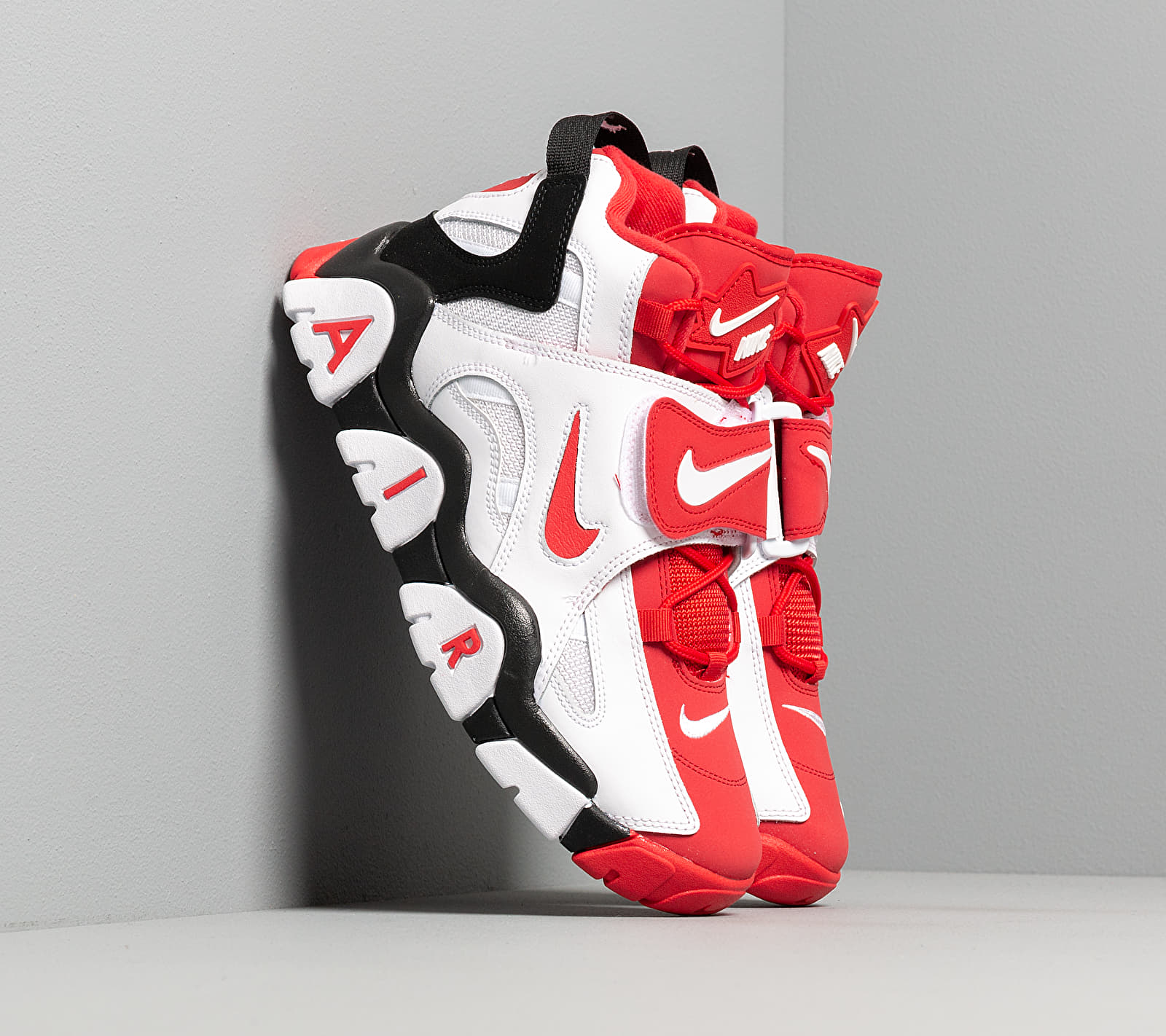 Nike Air Barrage Mid White/ University Red-Black EUR 45.5