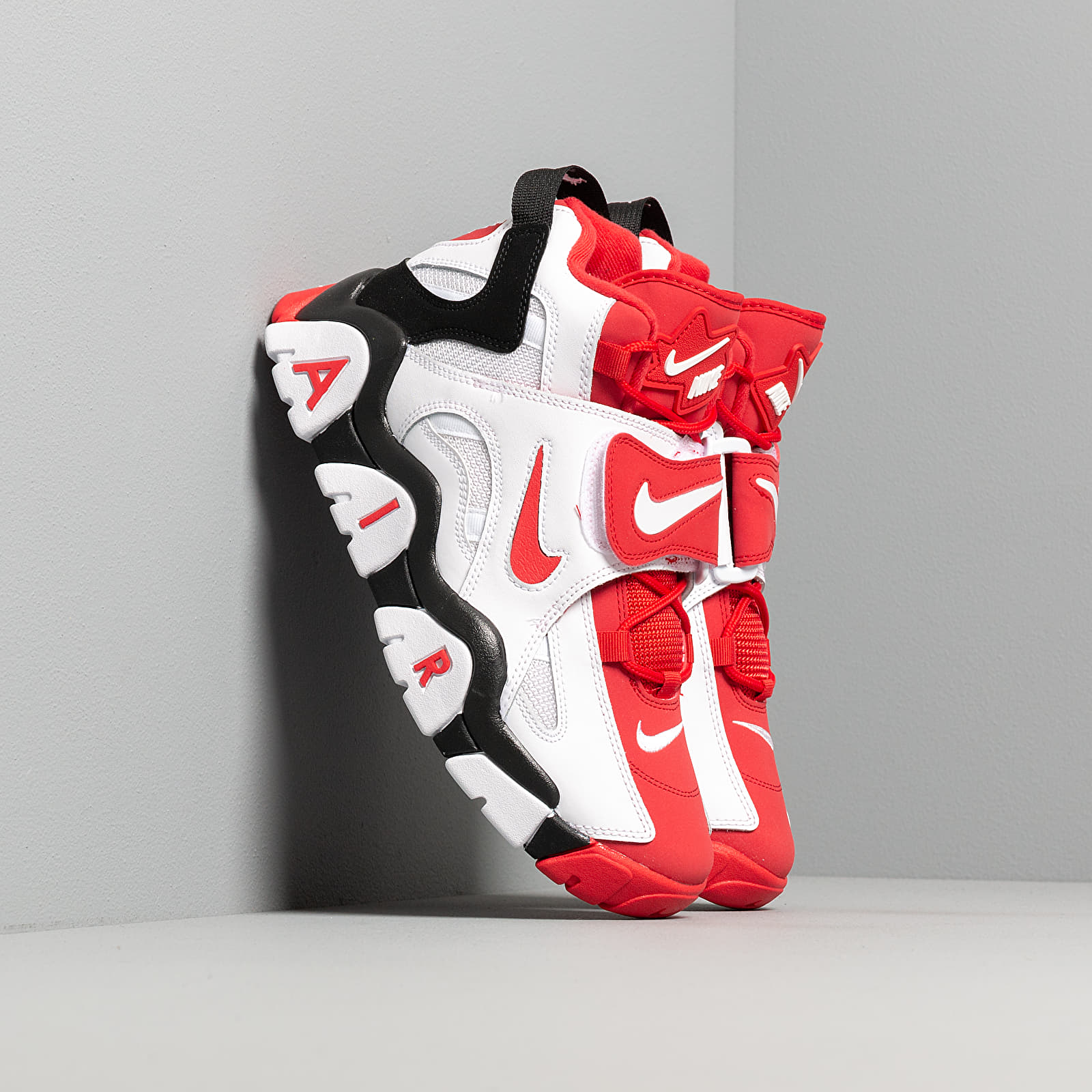 Nike Air Barrage Mid White/ University Red-Black   Footshop