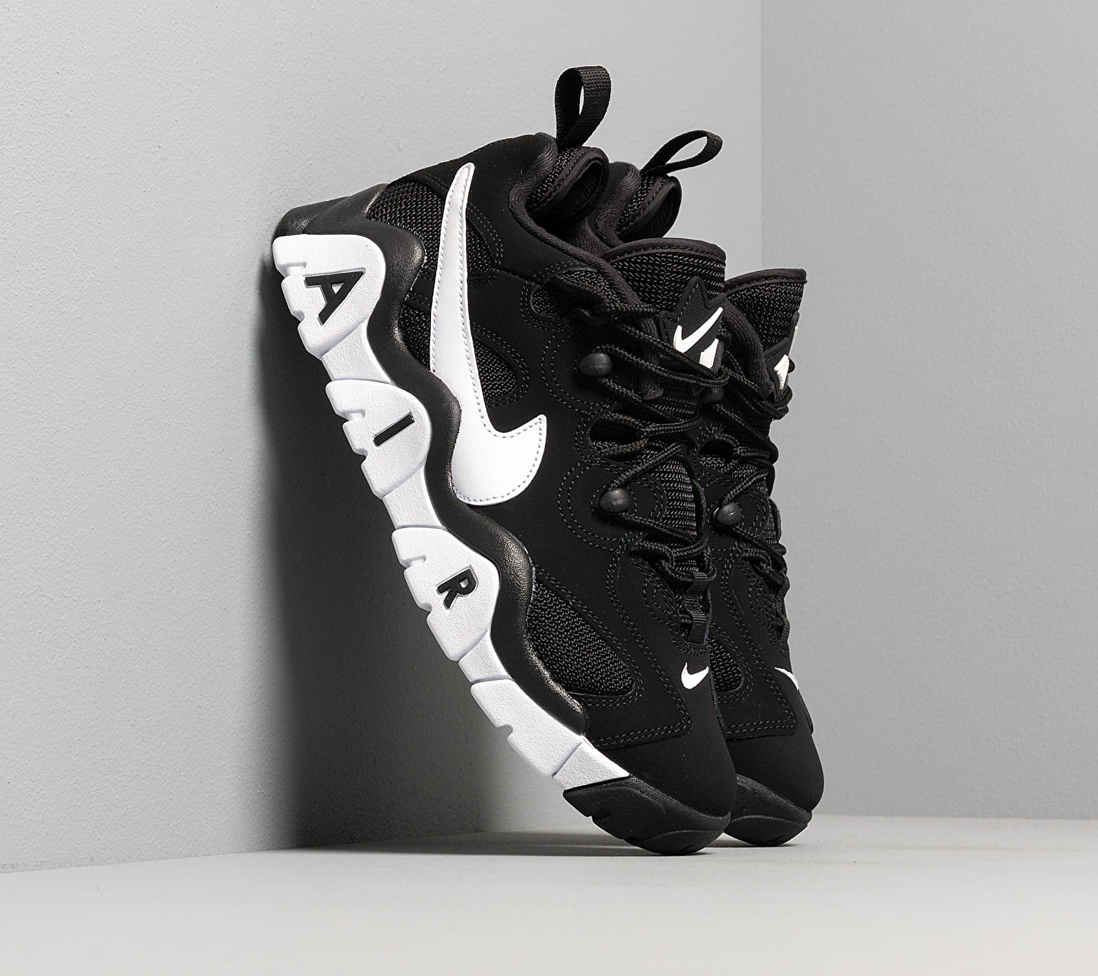 Nike Air Barrage Low Black/ White-White EUR 41