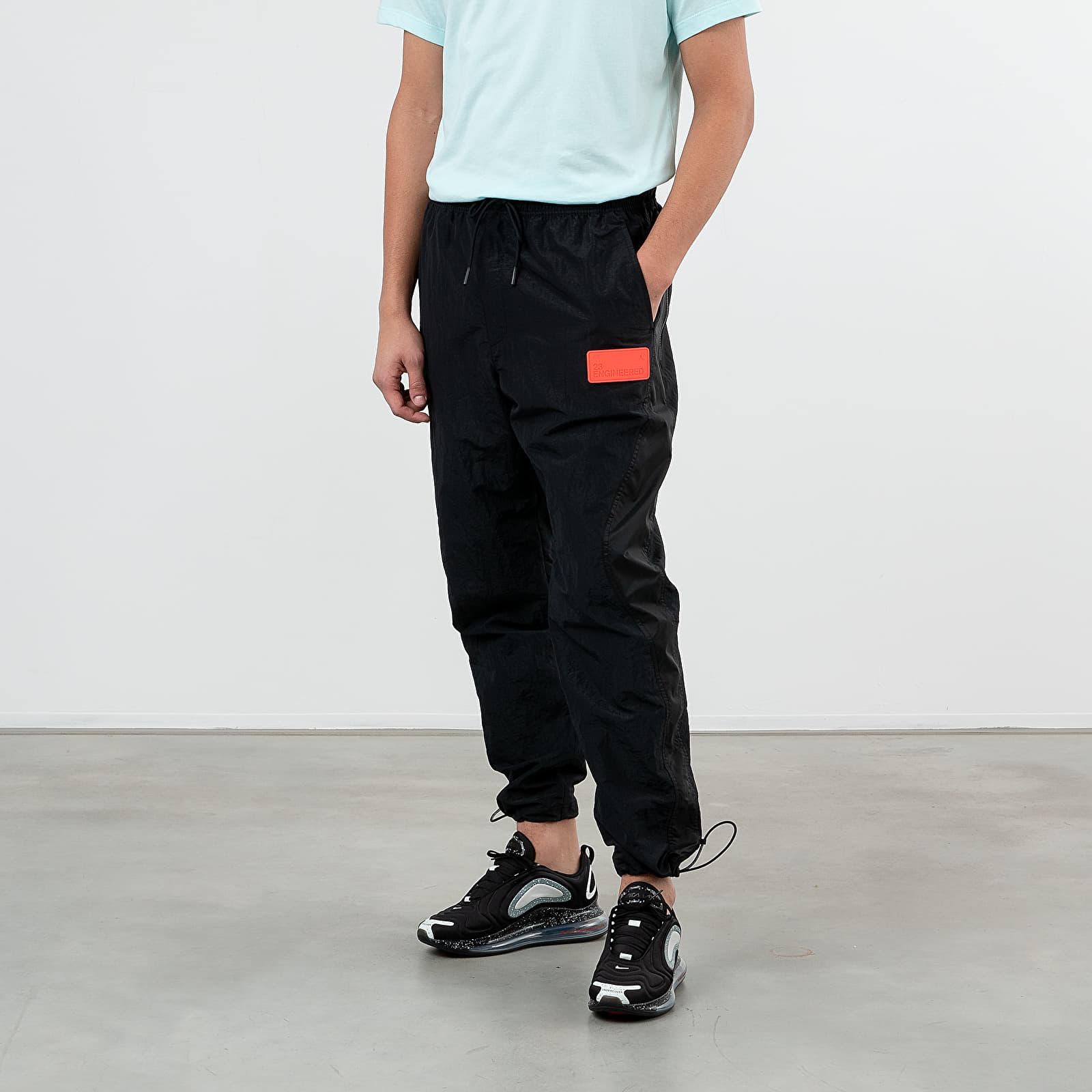 Hosen und Jeans Jordan 23 Engineered Nylon Pants Black/ Infrared 23
