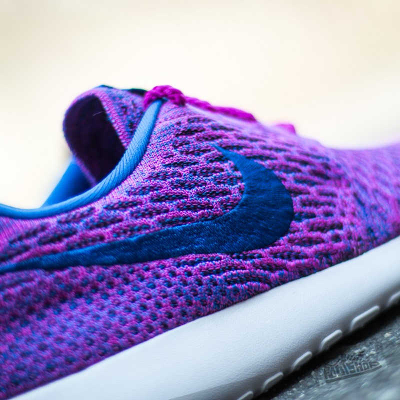 Nike Wmns Roshe One Flyknit Fuchsia Flash Gym Royal Vnc
