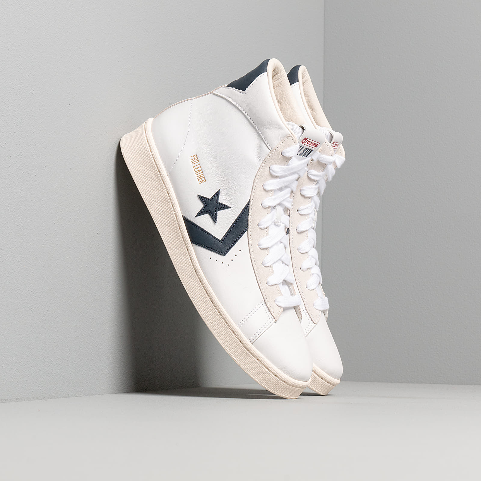 chaussure homme converse mid