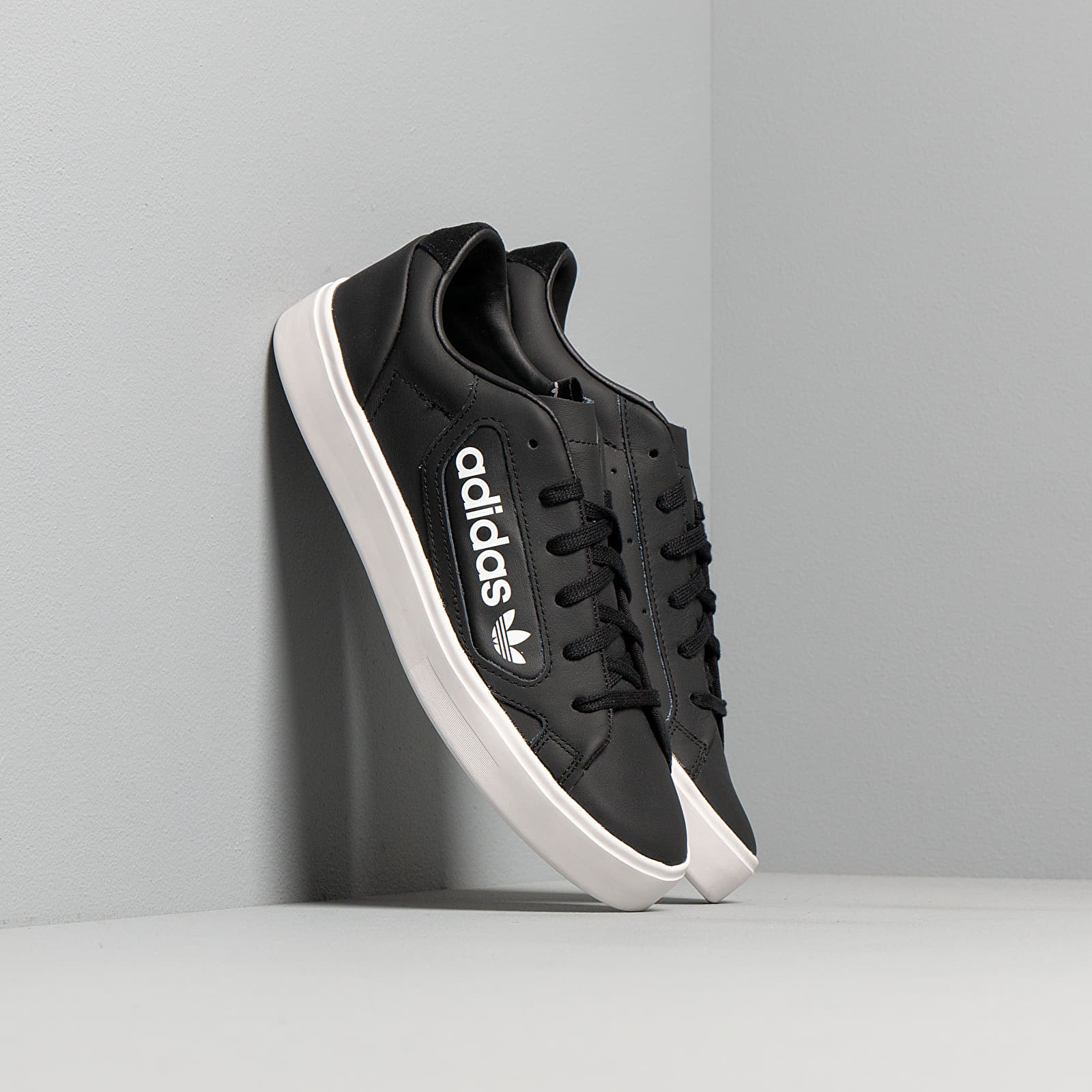 Női cipők adidas Sleek W Core Black/ Crystal White/ Ftw White