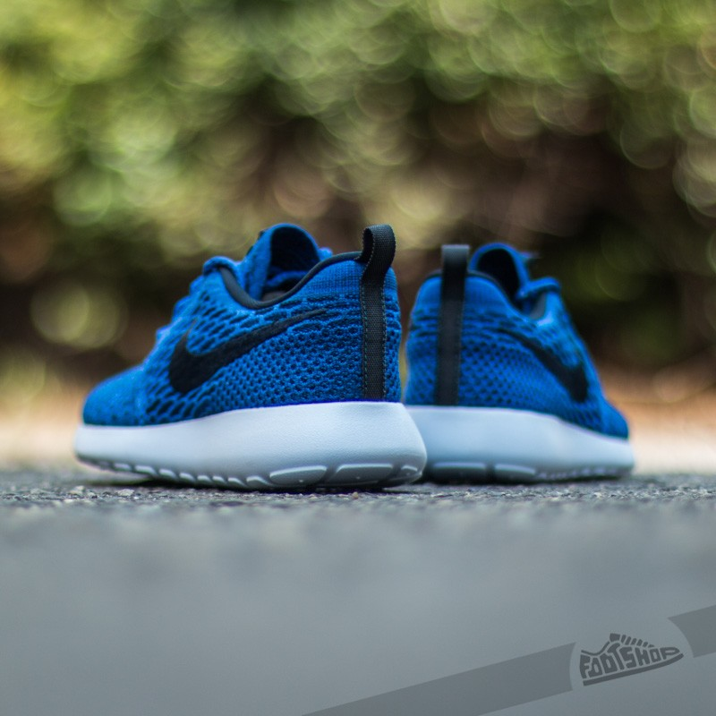 Nike Wmns Roshe One Flyknit Game RoyalDark Obsidian Black