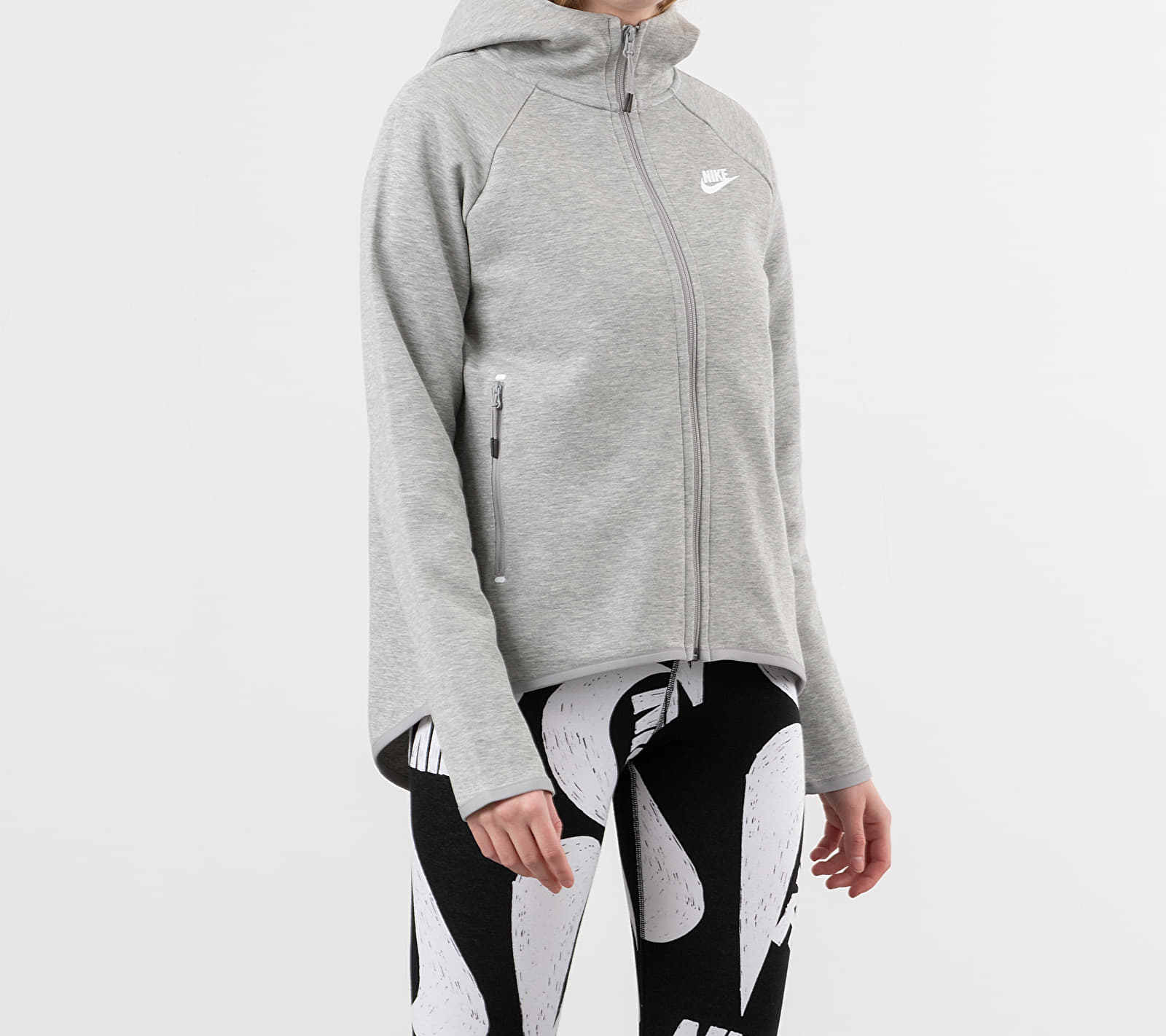 Nike Sportswear Tech Fleece Cape Dark Grey Heather/ Matte Silver/ White, Gray