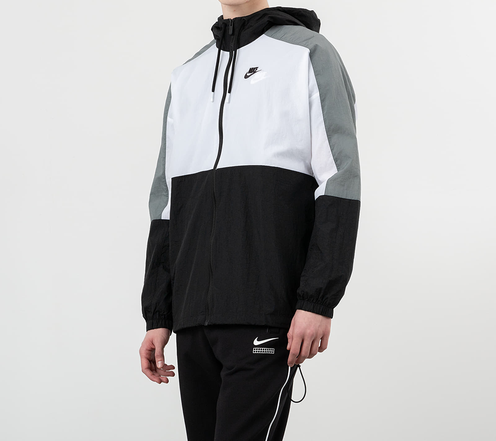 Nike Sportswear Hooded Woven Jacket Black/ White/ Smoke Grey/ Black