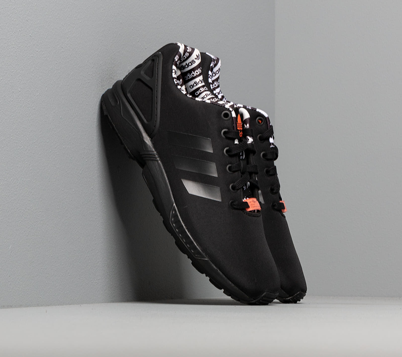 adidas ZX Flux Core Black/ Core Black/ Semi Core Orange EUR 45 1/3